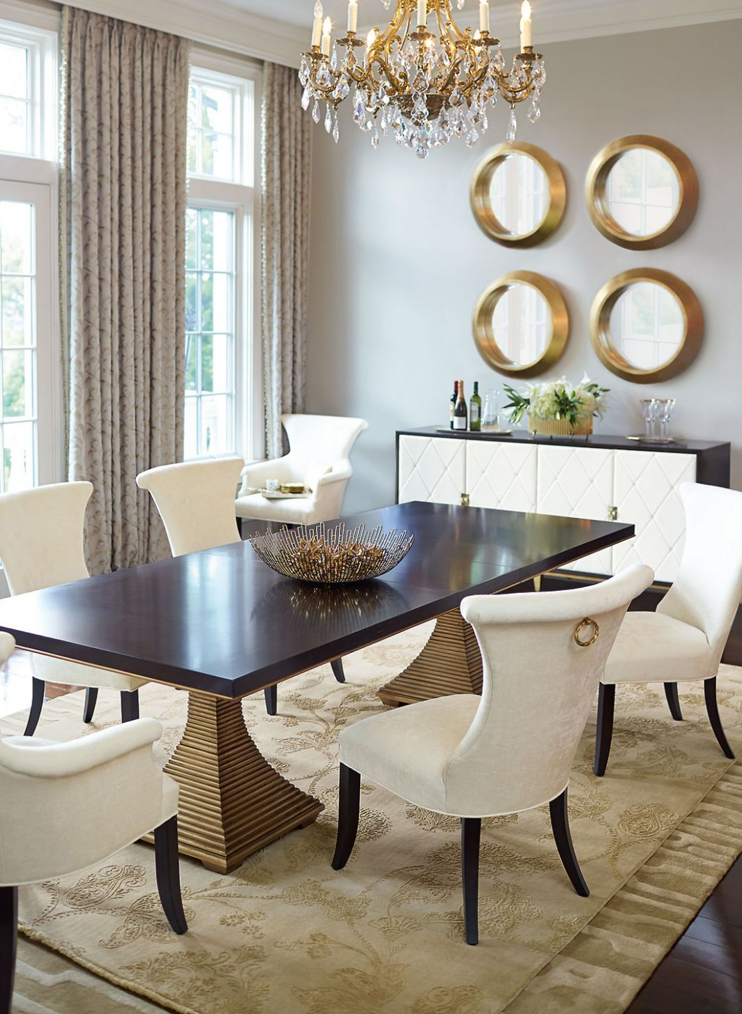 Dining Room with Interior Gold Accents | Glamorous Dining Rooms - dining room ideas gold