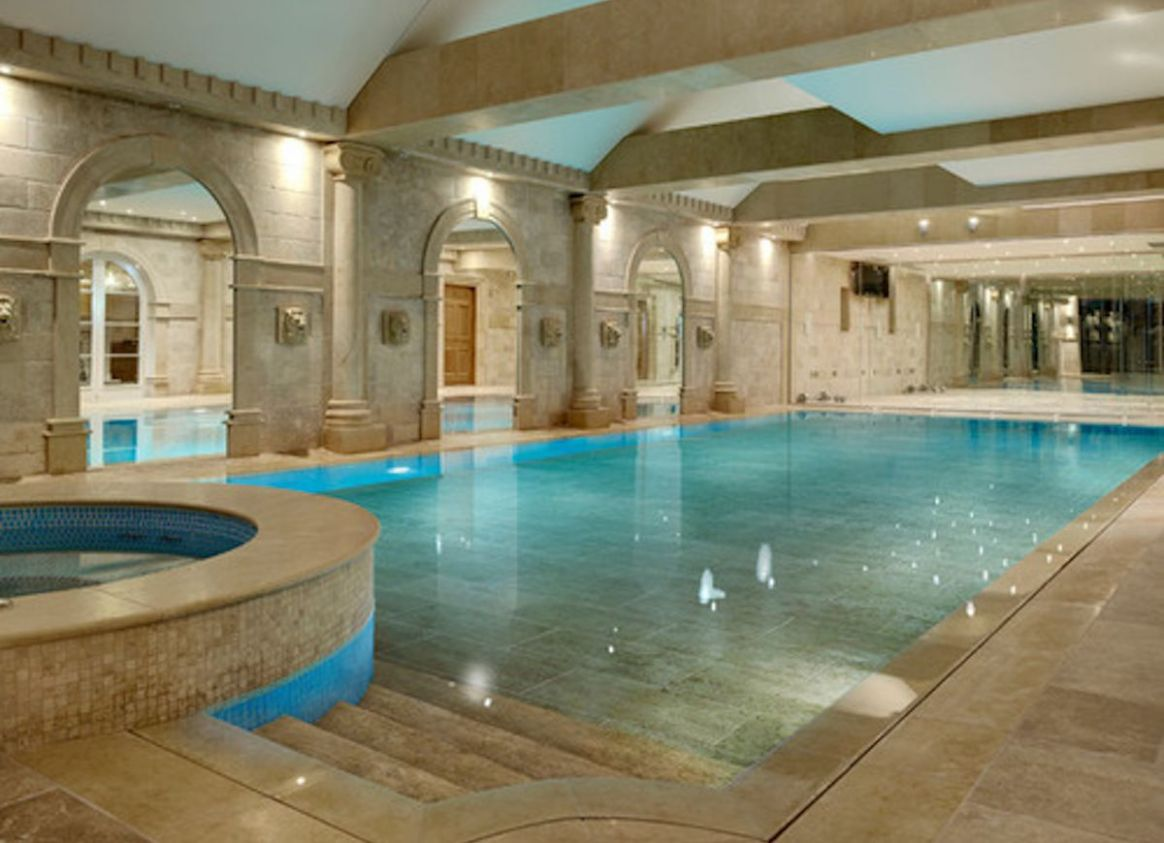 Dive Into These 8 Luxurious Pools | Luxury swimming pools