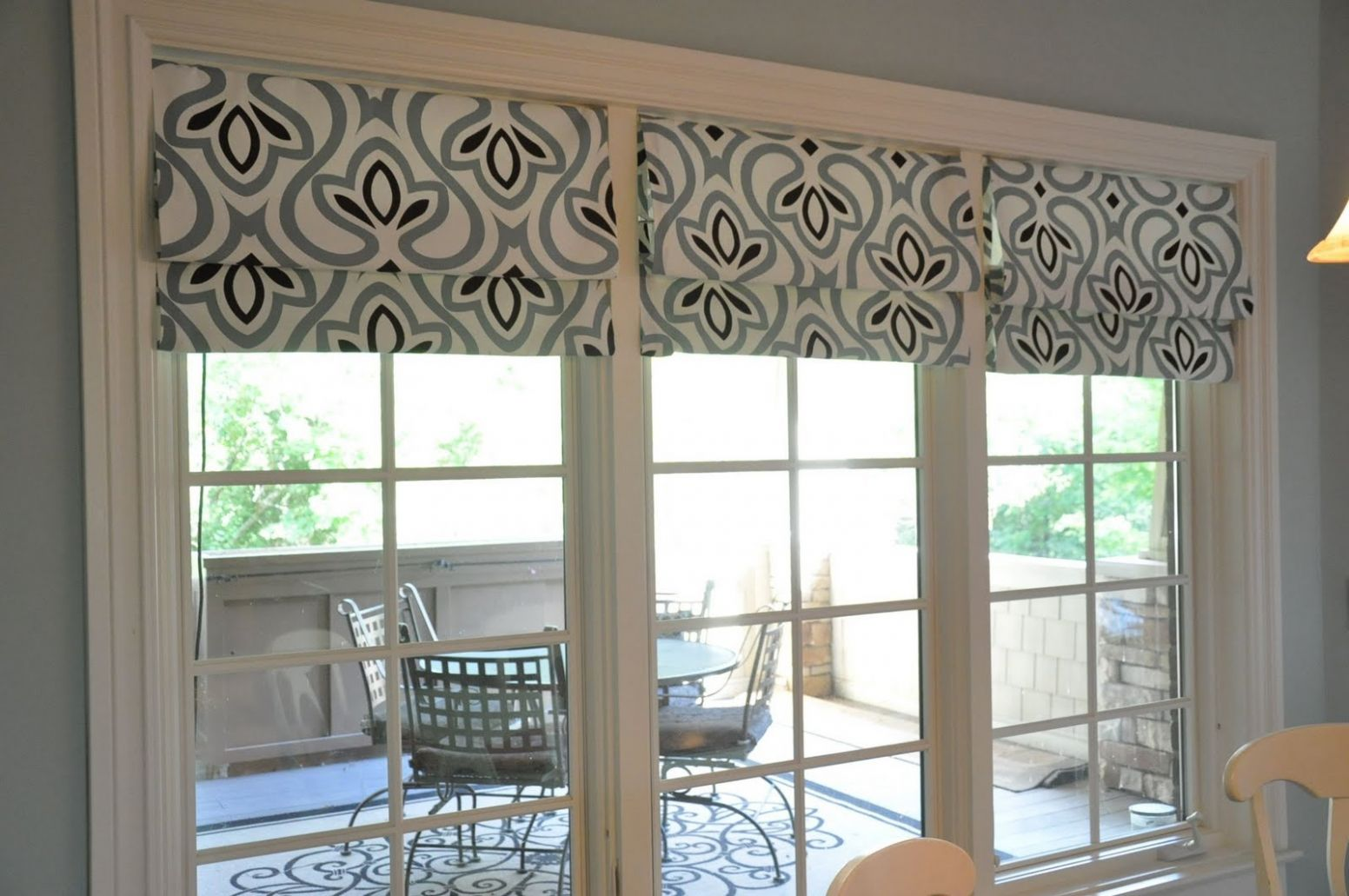 DIY Custom Roman Shades with Practical Master Classes and Photos