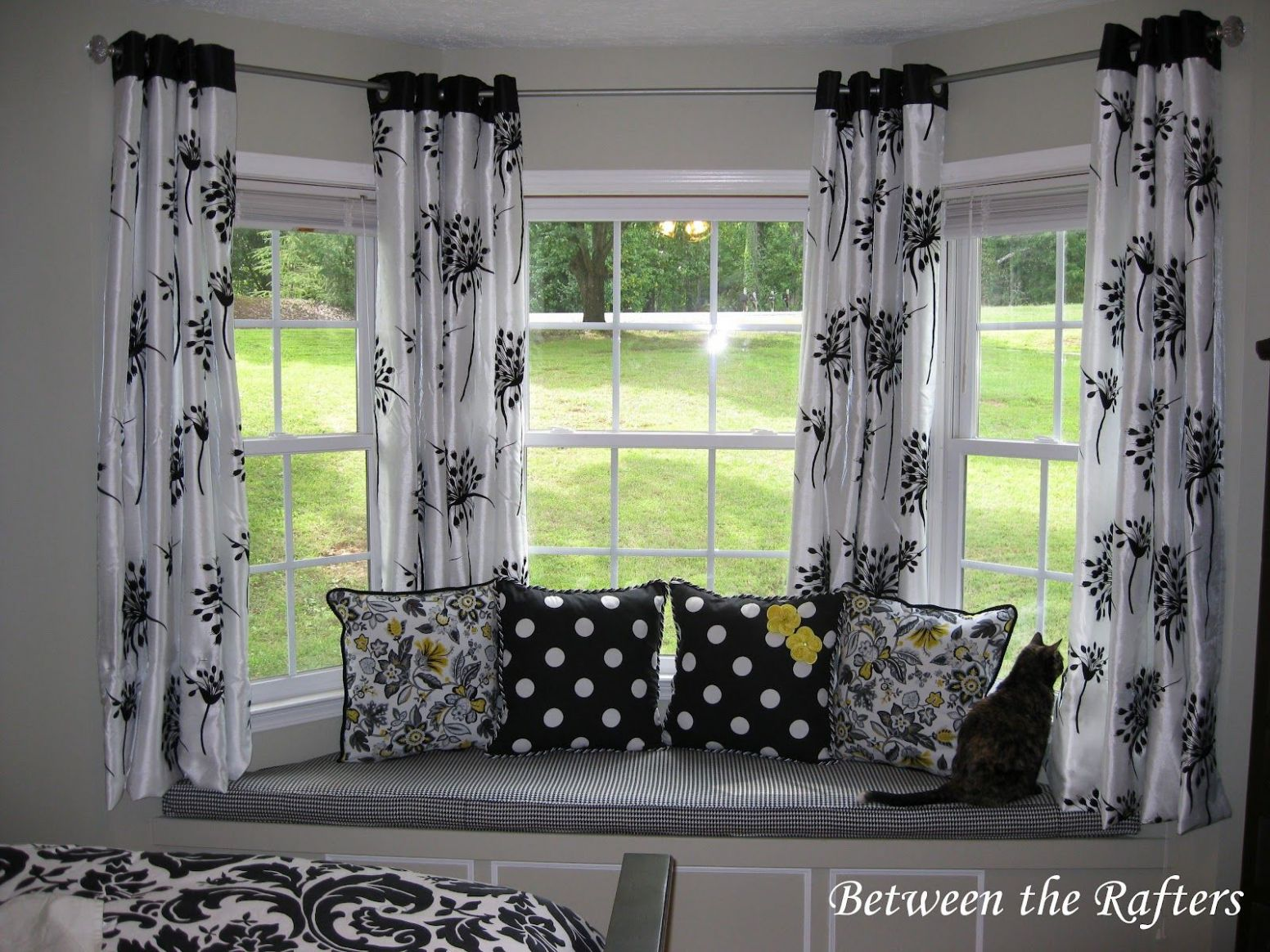 Do It Yourself Bay Window Curtain Rod Tutorial | Dining room ..