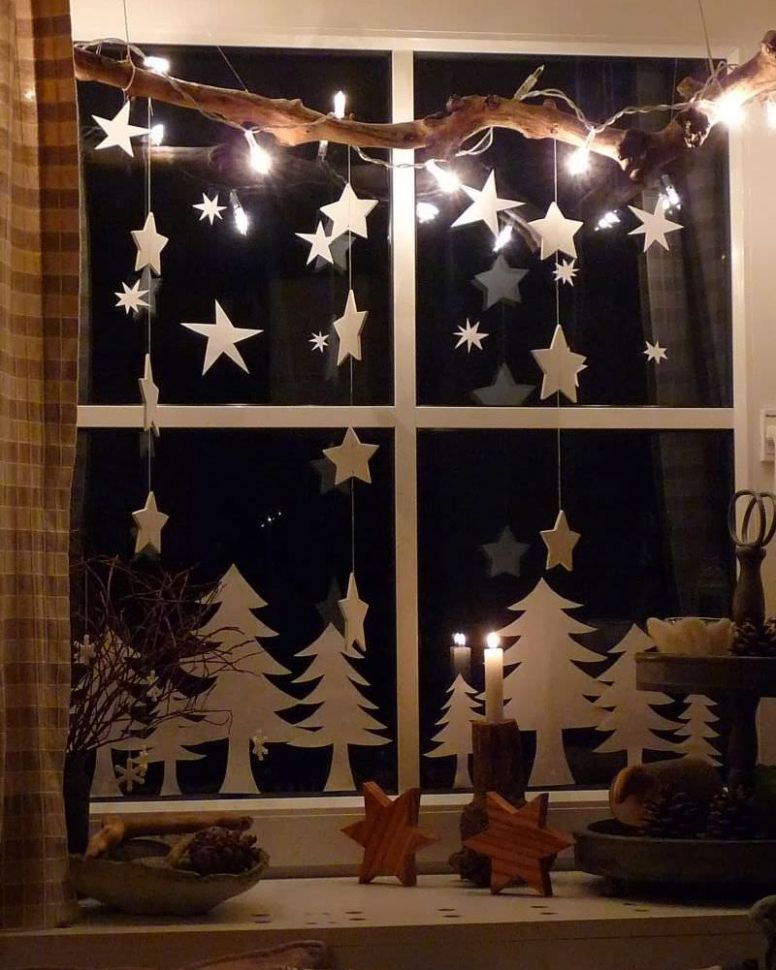 Easy and Inexpensive Christmas Window Decoration Ideas - window ideas christmas