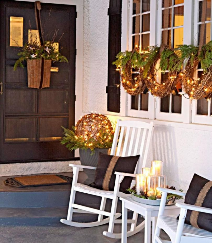 Easy Front Porch Holiday Decorations (With images)   Outdoor ...