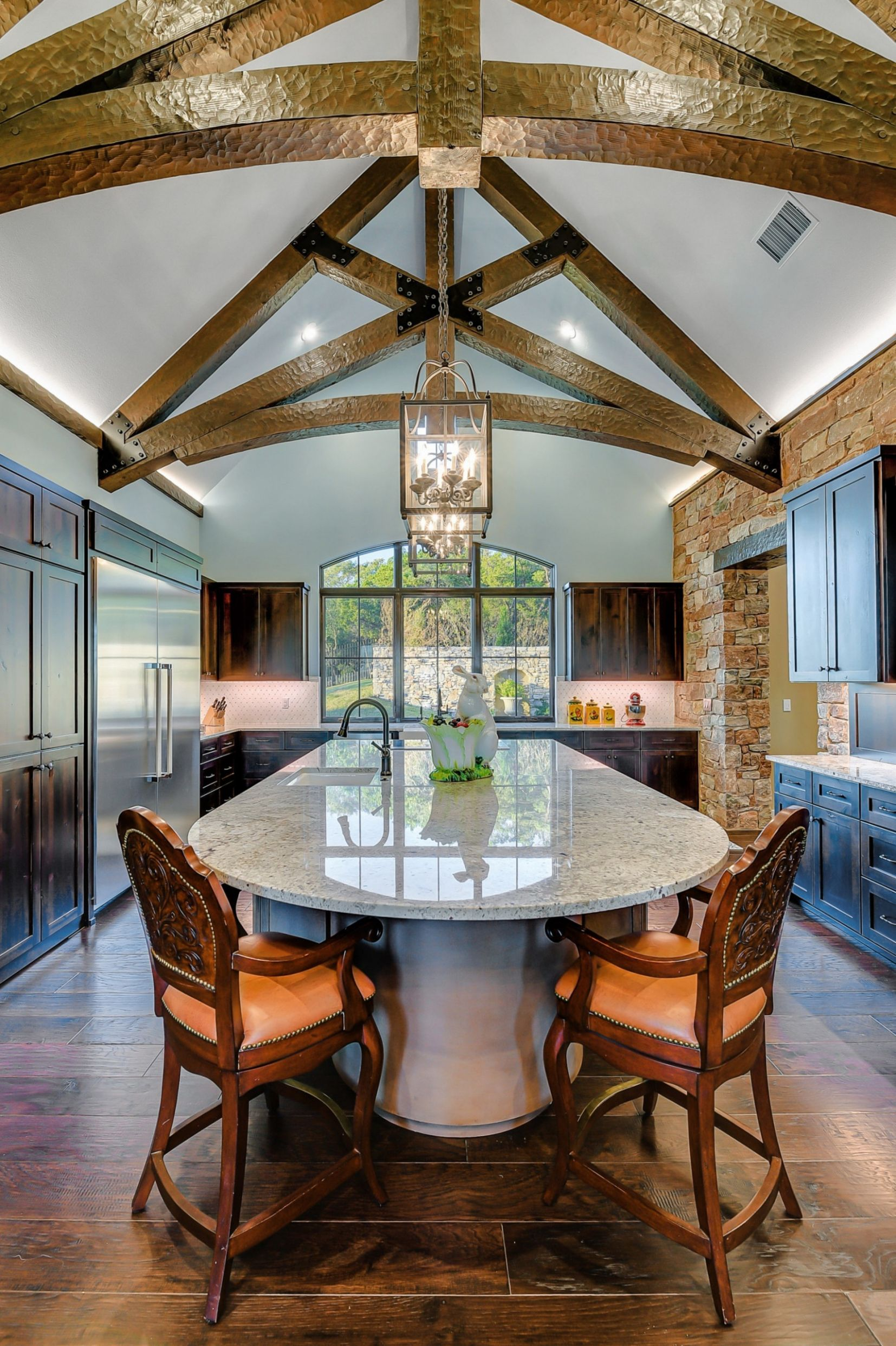 Embrace the Elegance in Vaulted Ceiling - French Country Kitchen ...