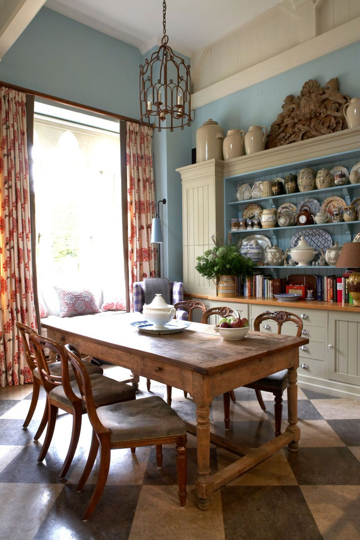 English country kitchen ~ William Yeoward. I like some of the ...
