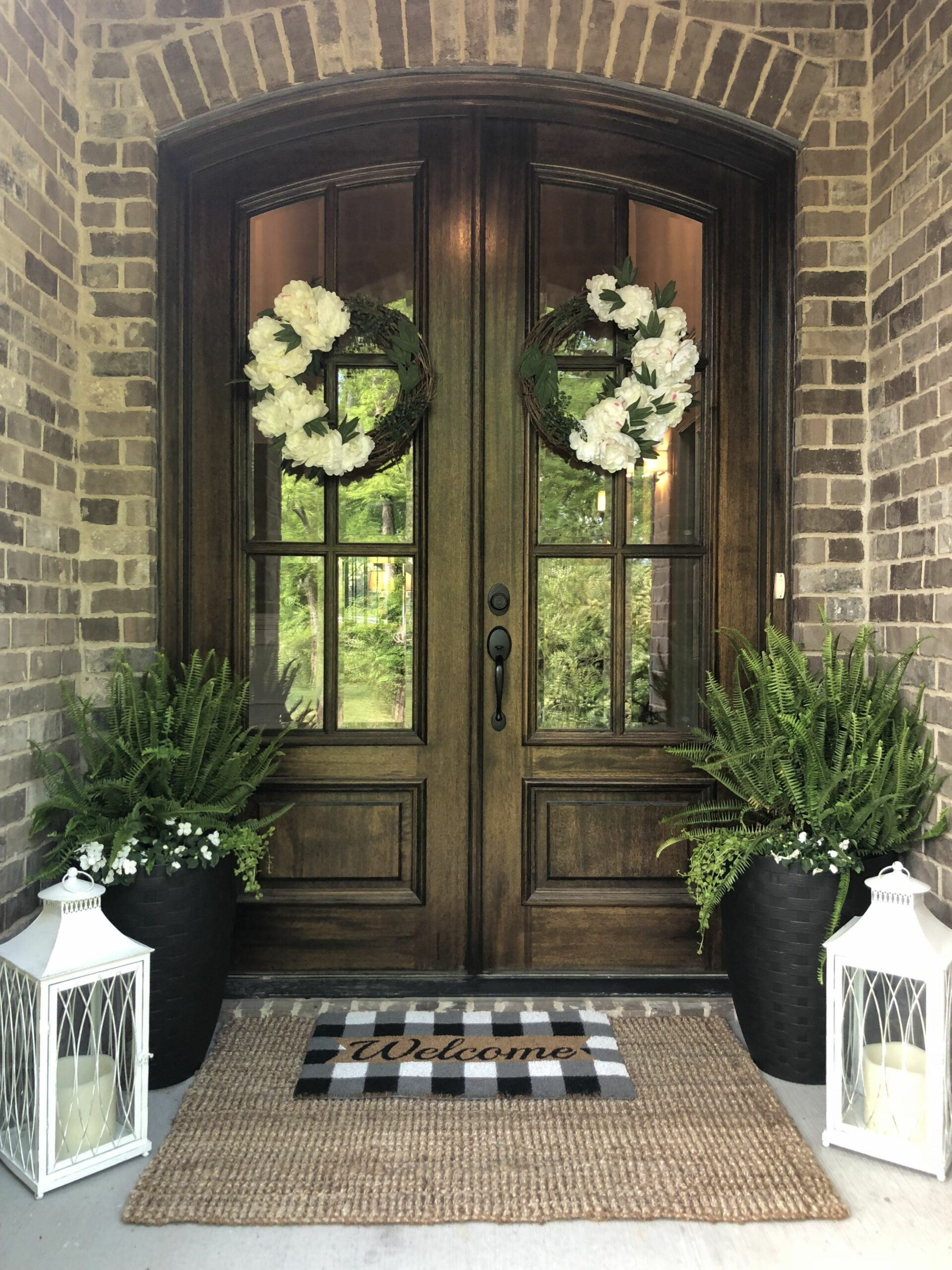 European style entryway | Front Porch Decor | Front porch ..