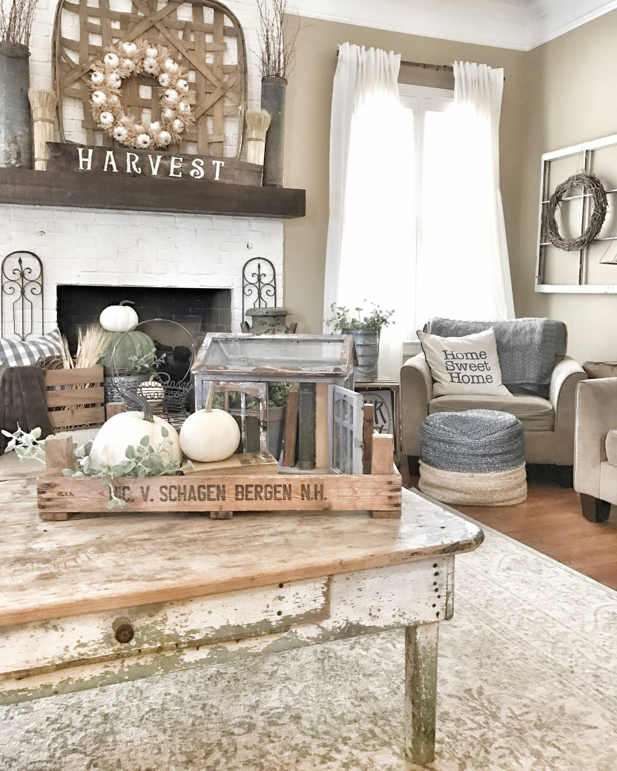 Fall farmhouse and rustic living room IG @bless_this_nest | Living ..