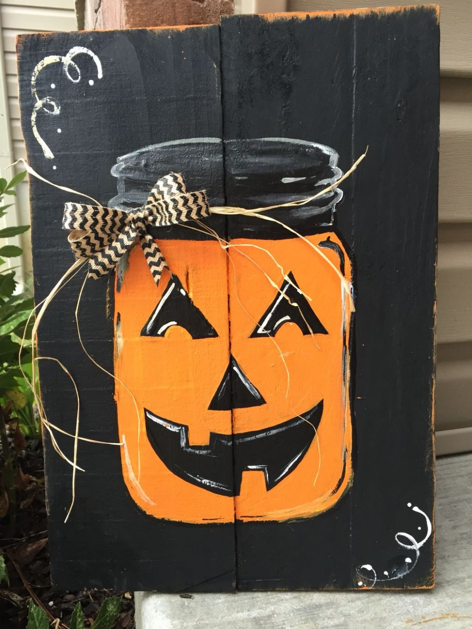 Fall pallet sign hand painted (With images)   Fall halloween decor ...