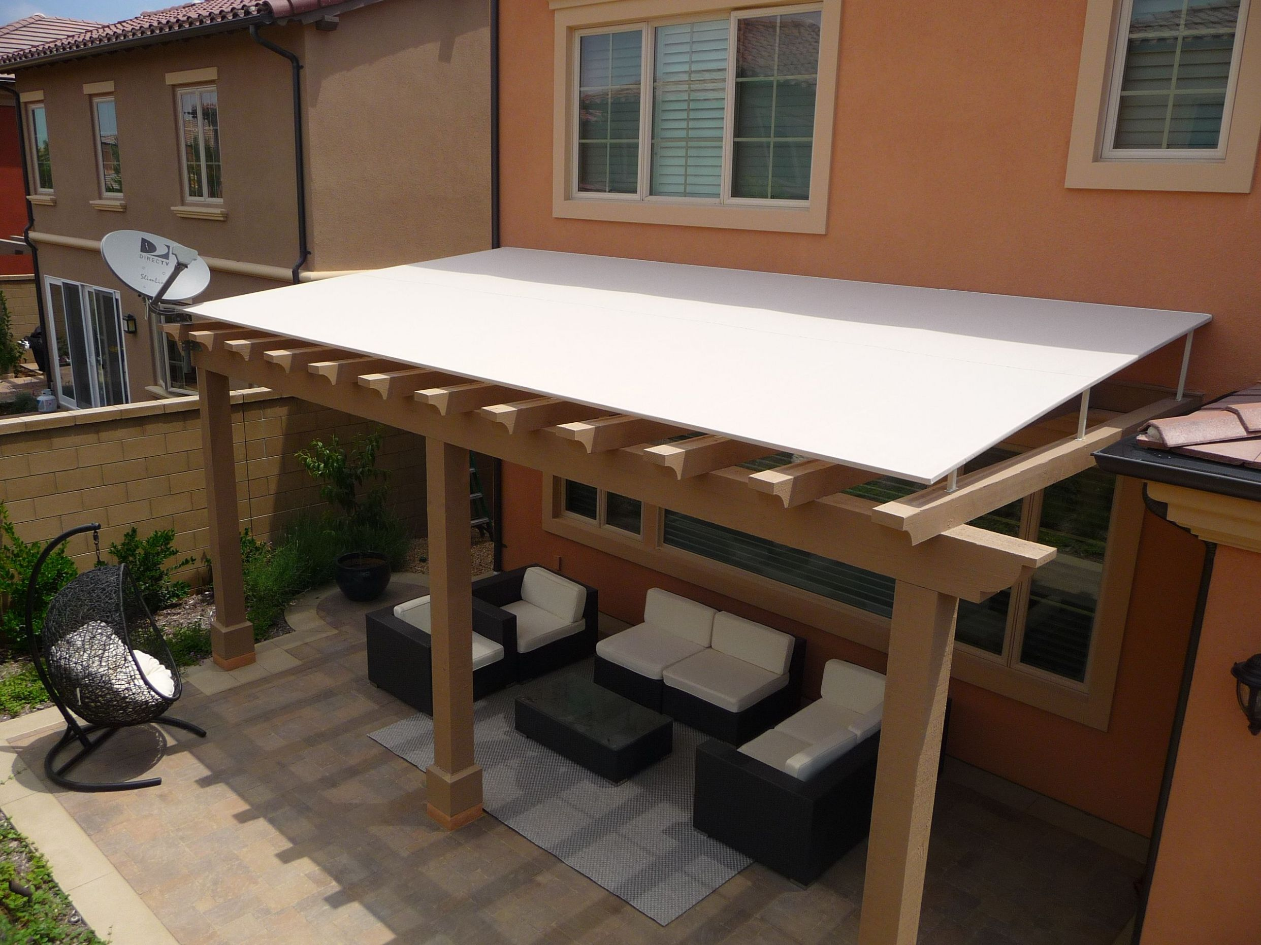 Fancy Outdoor Wood Awning Ideas for Your Exterior Design: Comfy ...