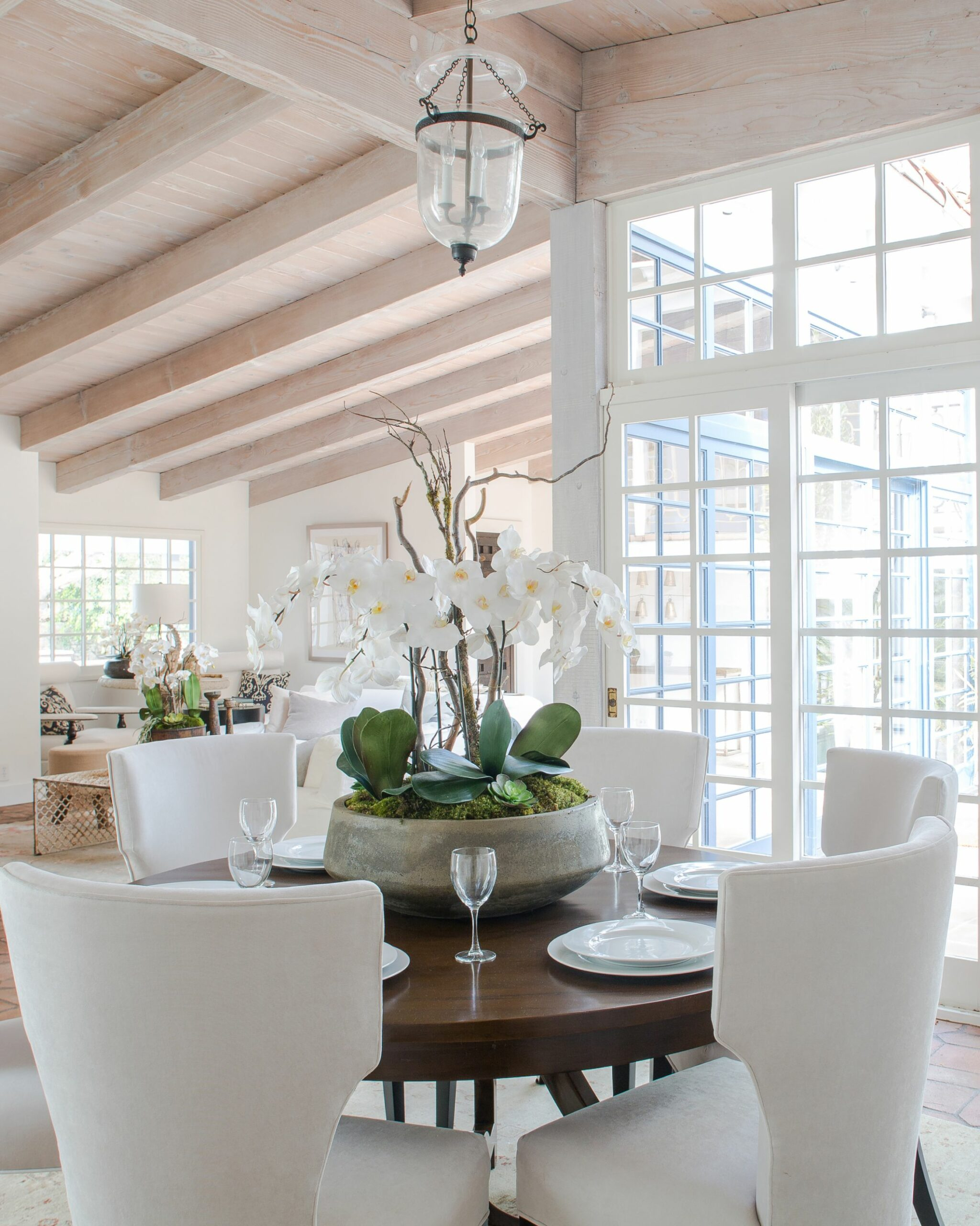 Feast Your Eyes: Gorgeous Dining Room Decorating Ideas | Martha ...