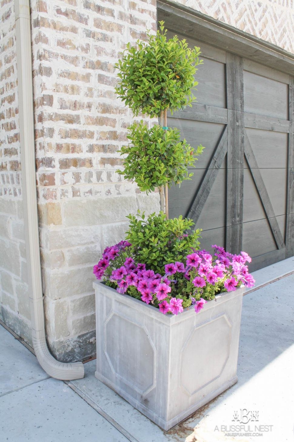 Front Porch Outdoor Planter Ideas You'll Love - A Blissful Nest