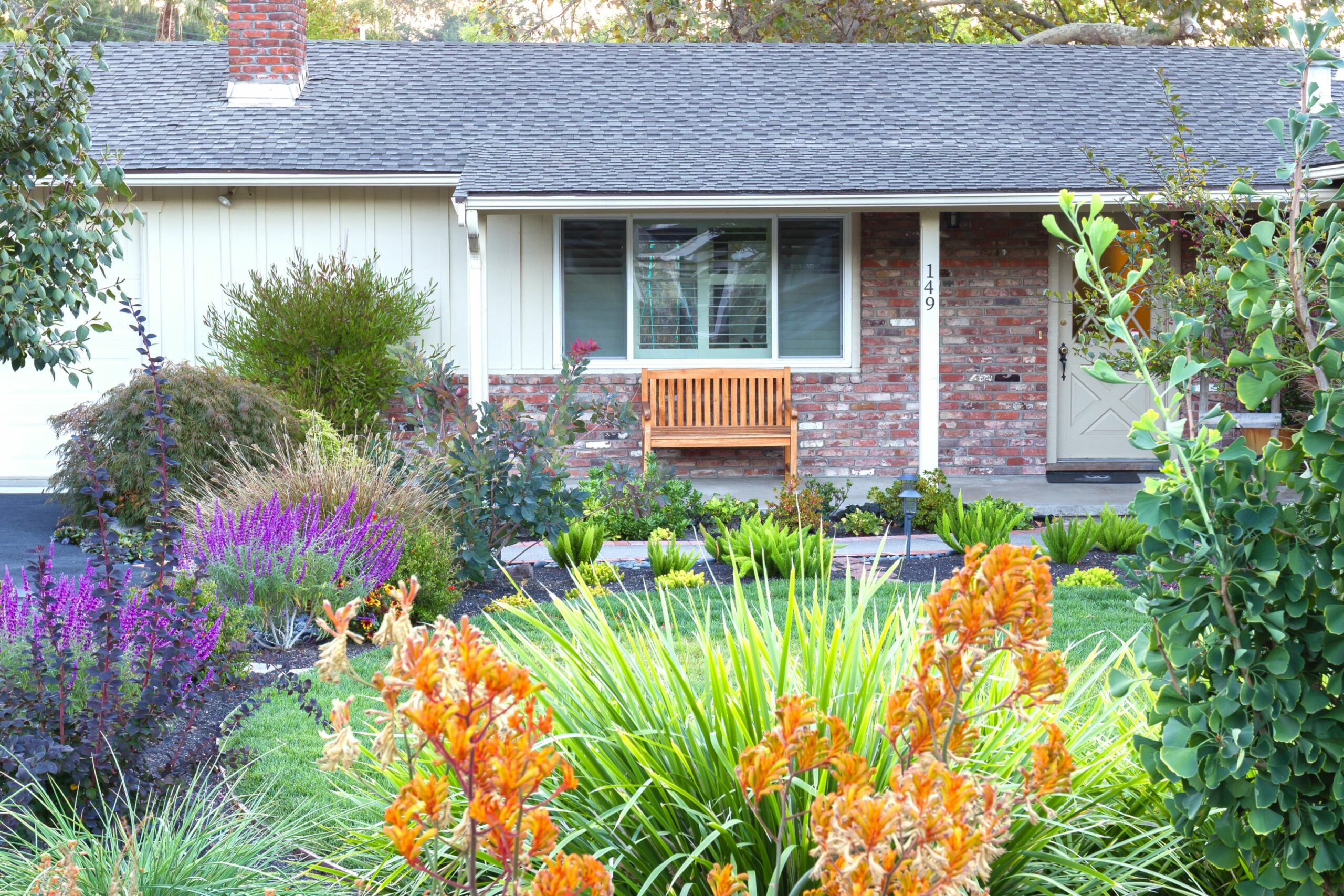 Front Yard Ideas: Simple DIY Front Yard Landscaping Ideas - garden ideas for front of house