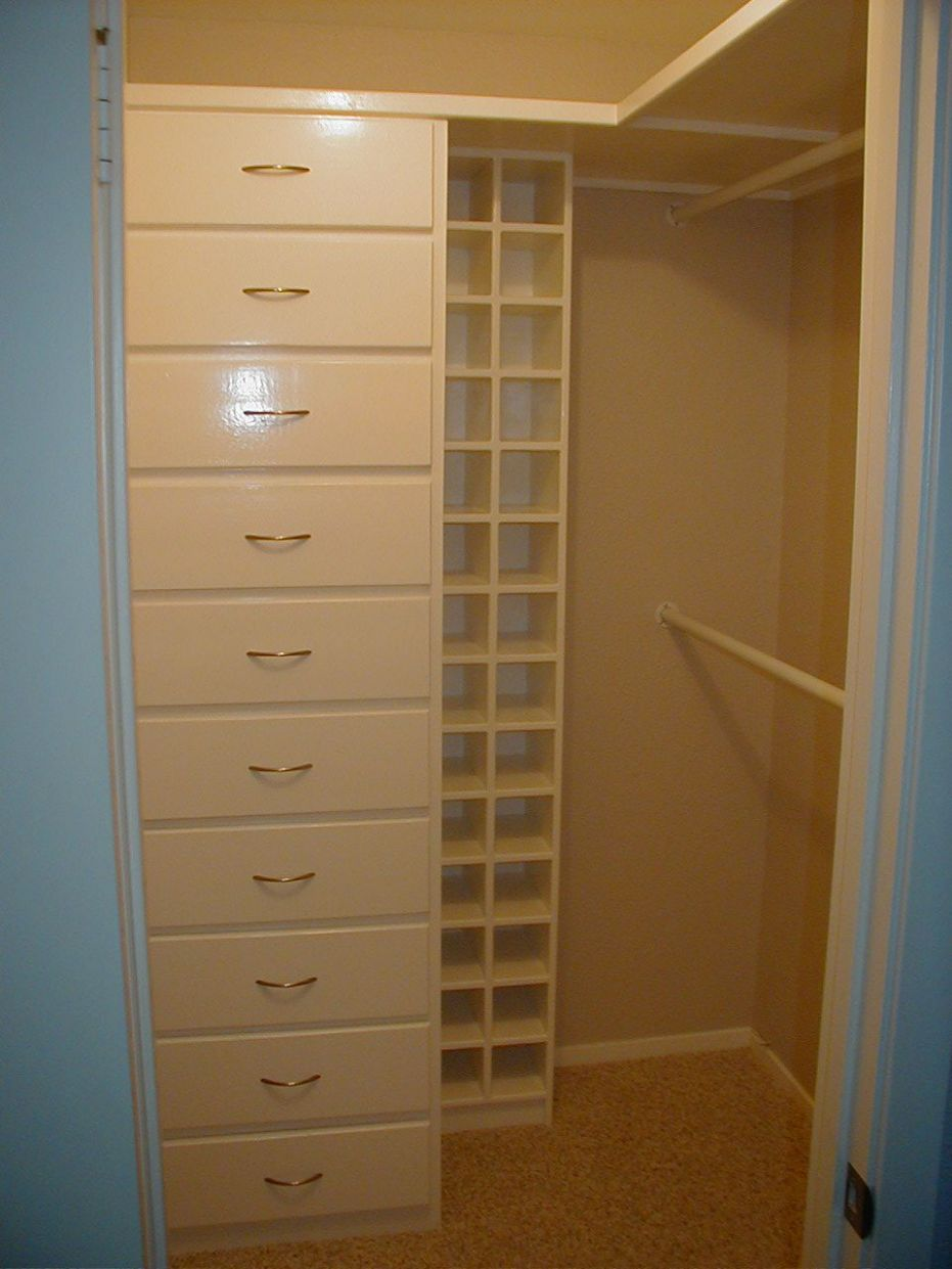 Furniture, Casual Walk In Closet For Small Places: Wonderful and ...