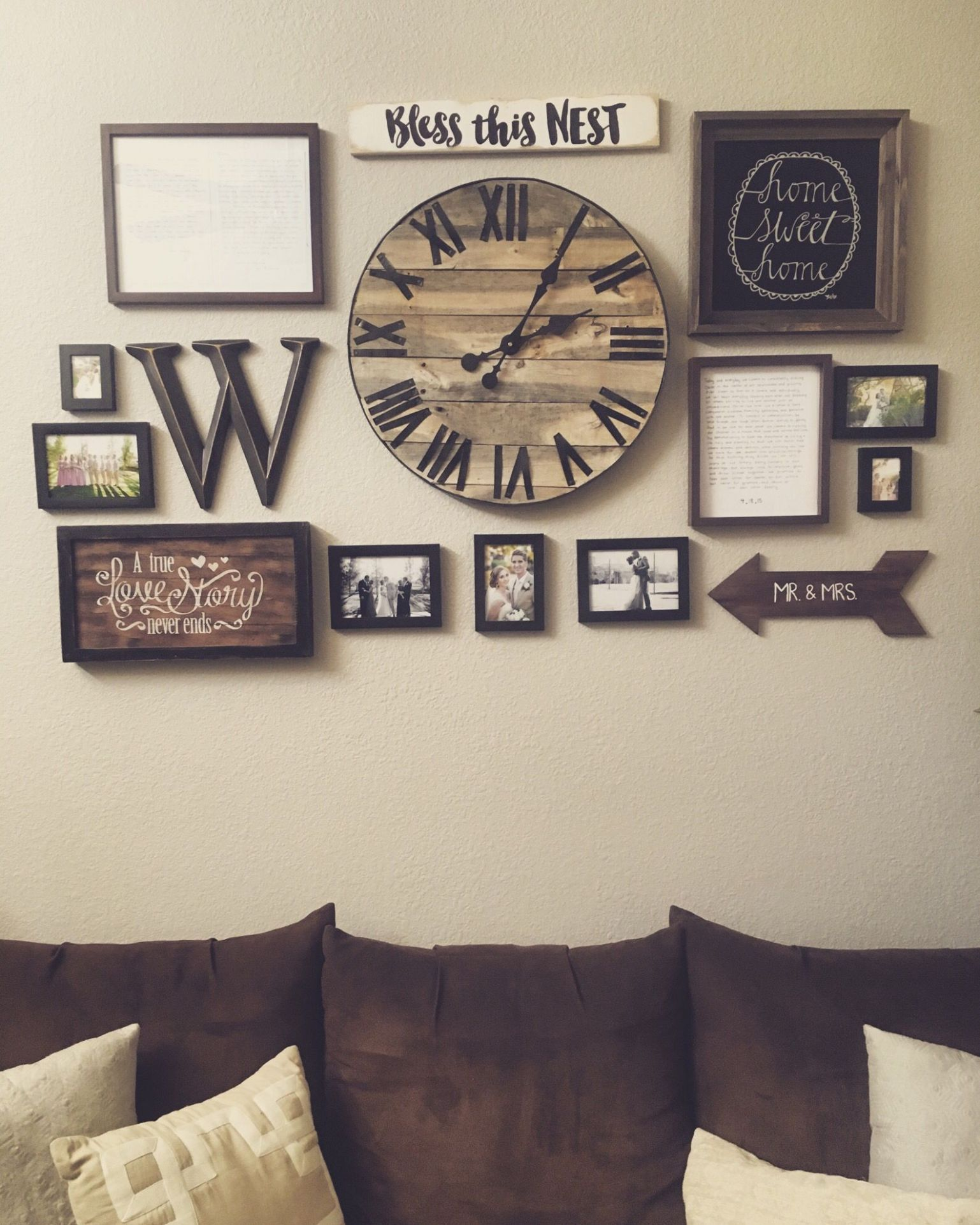 Gallery wall with handmade pallet clock (With images) | Wall decor ..