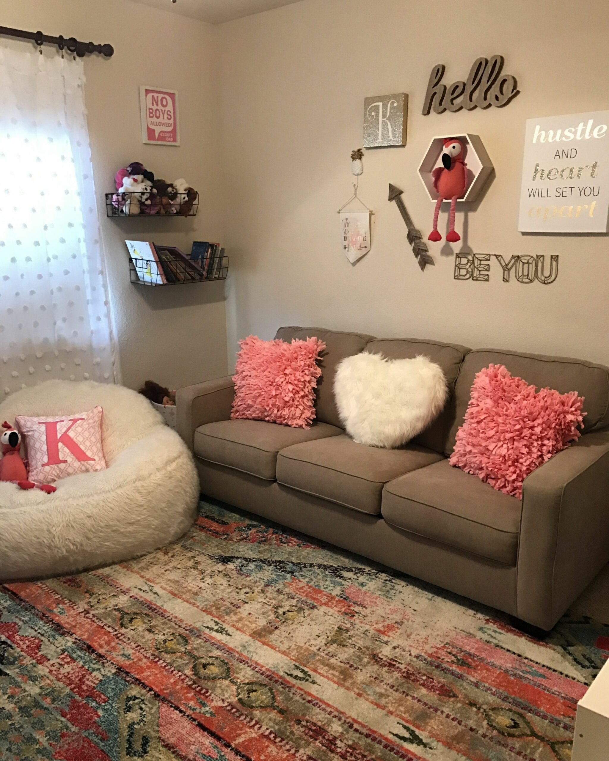 Girls Playroom💕 (With images) | College apartment living room ..
