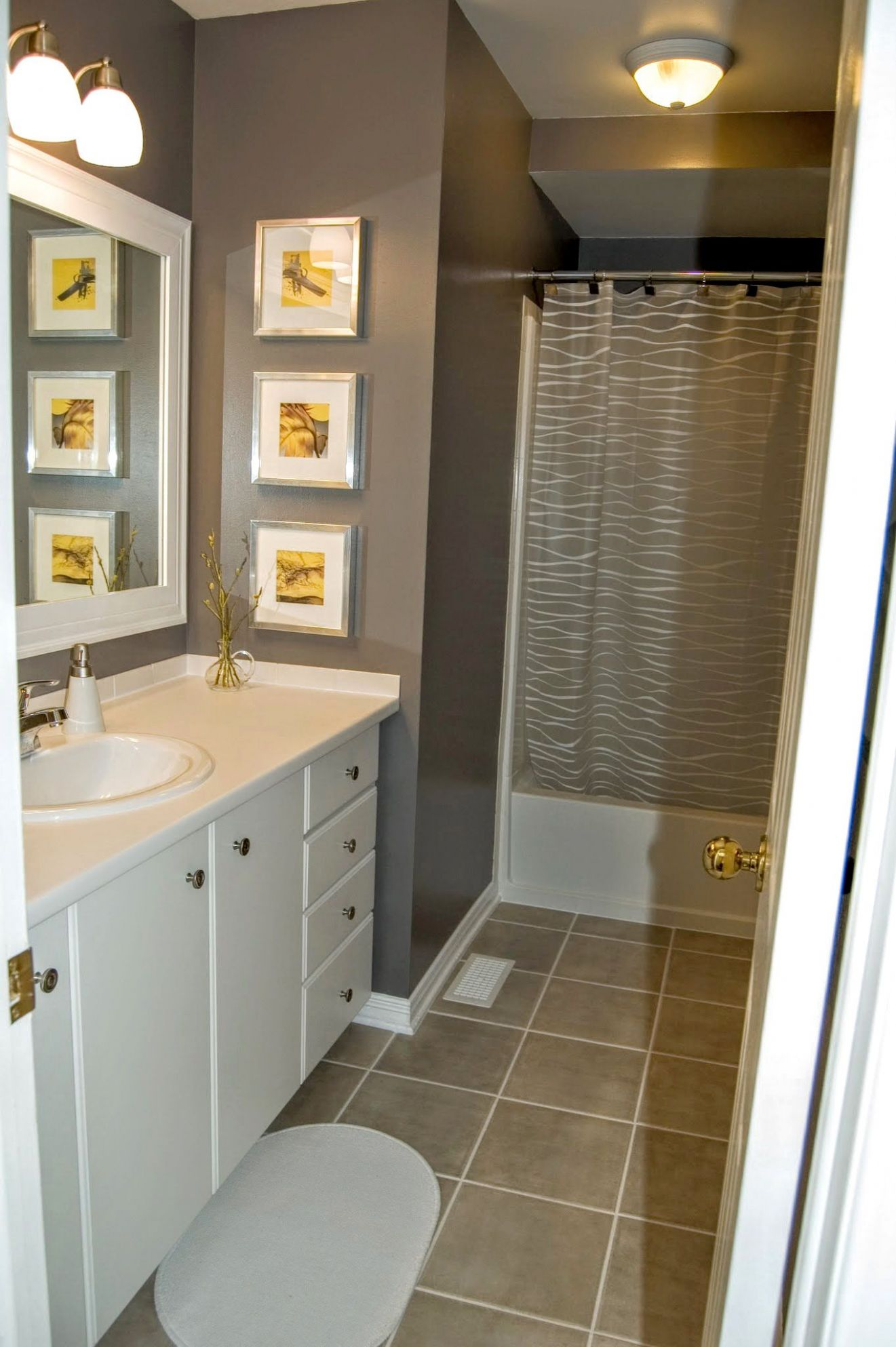 Gray bathroom with yellow accents, gray/yellow (With images ...