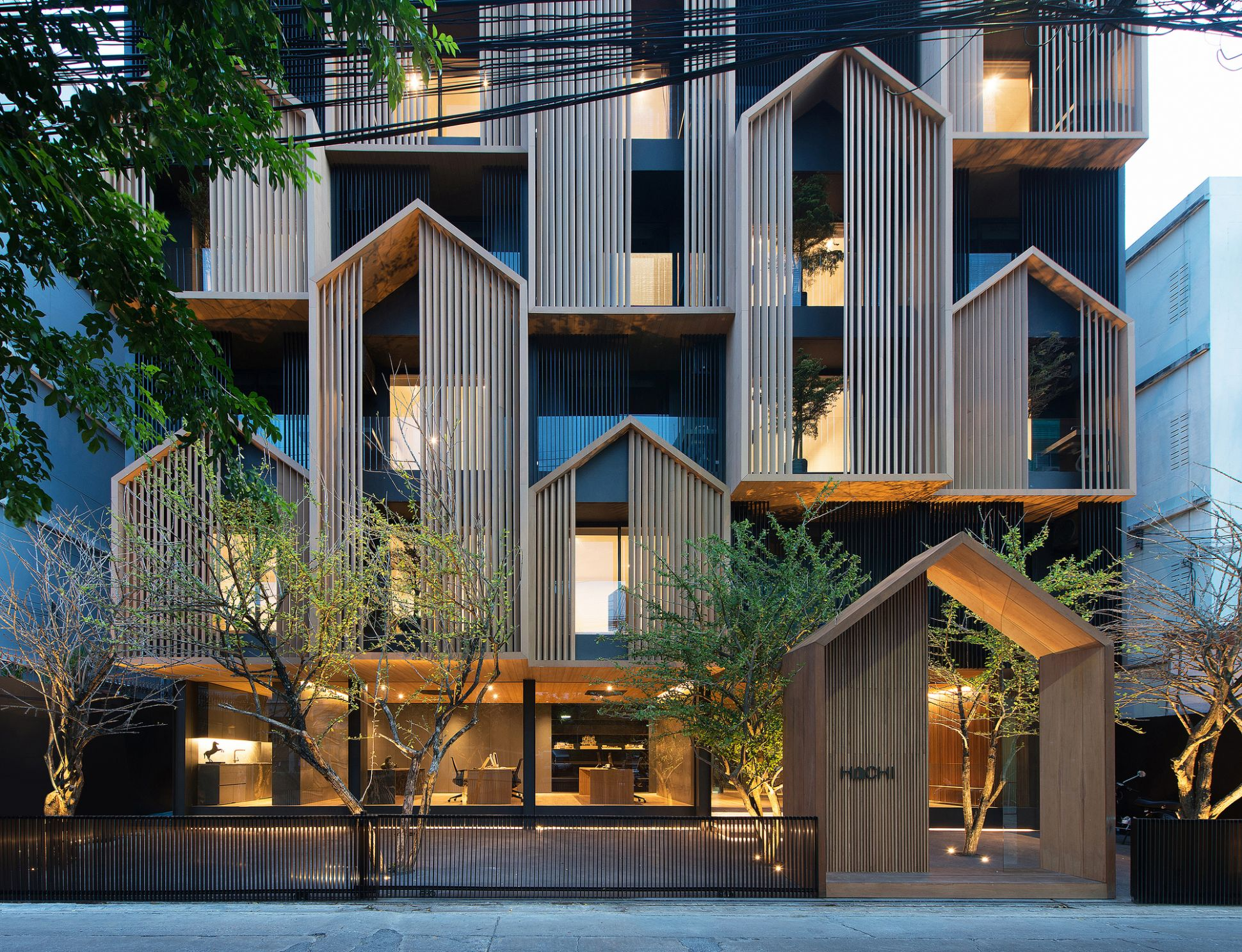 HACHI Serviced Apartment / Octane architect & design | ArchDaily