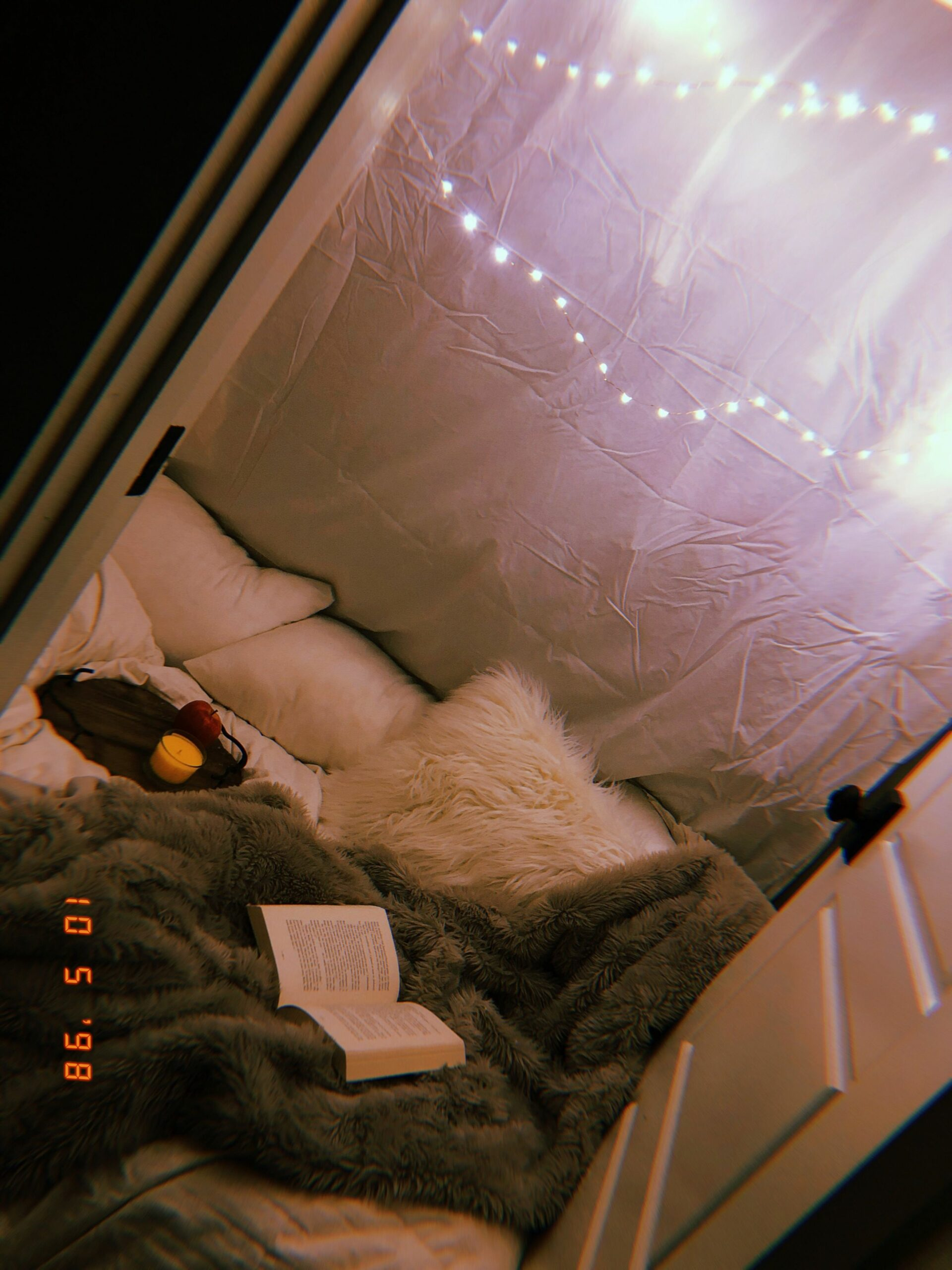 🍁Hangout🍁 (With images) | Hangout room, Sleepover room ..