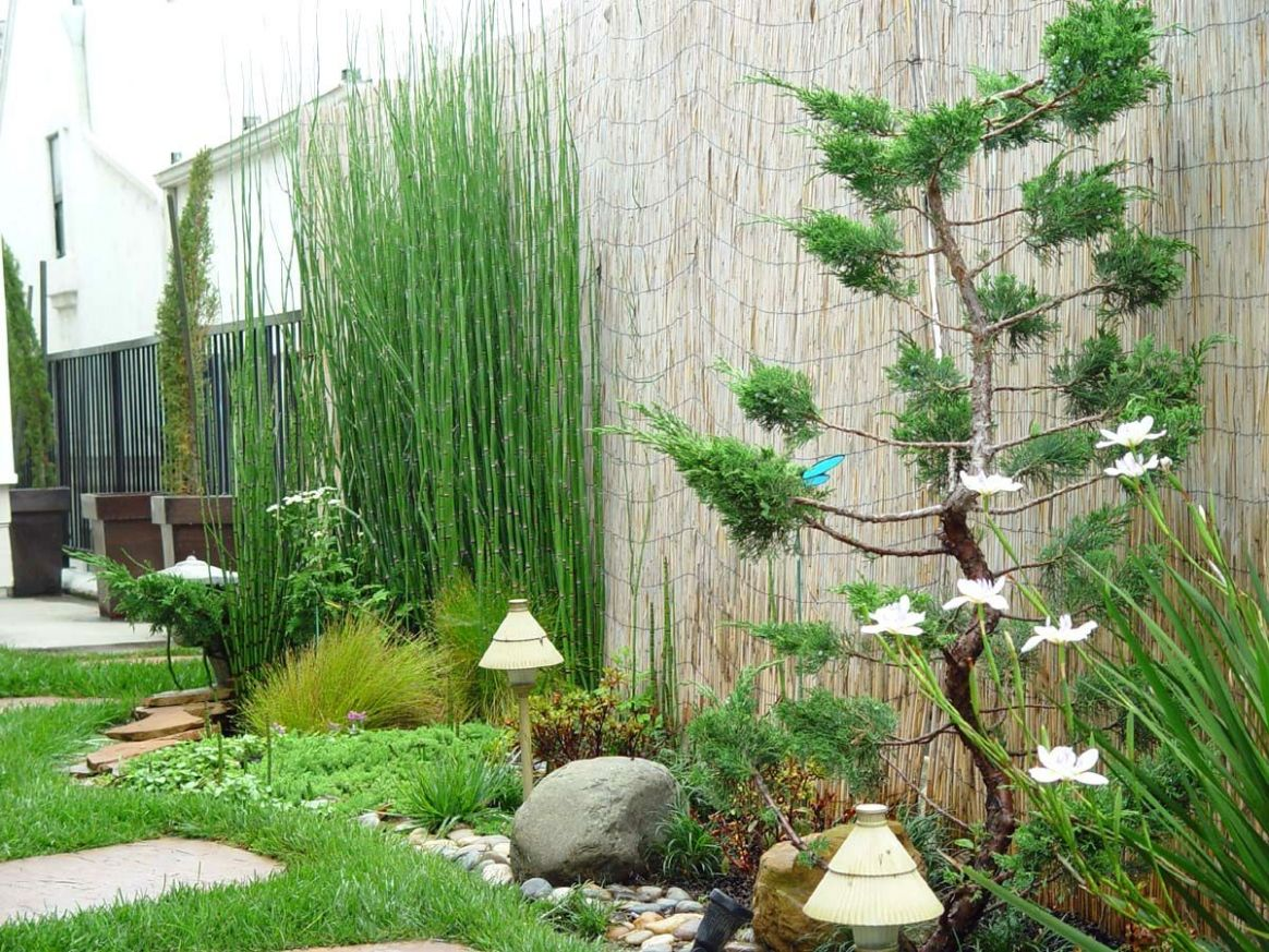 Hard Landscaping Ideas Small Garden Small Garden Ideas South ..