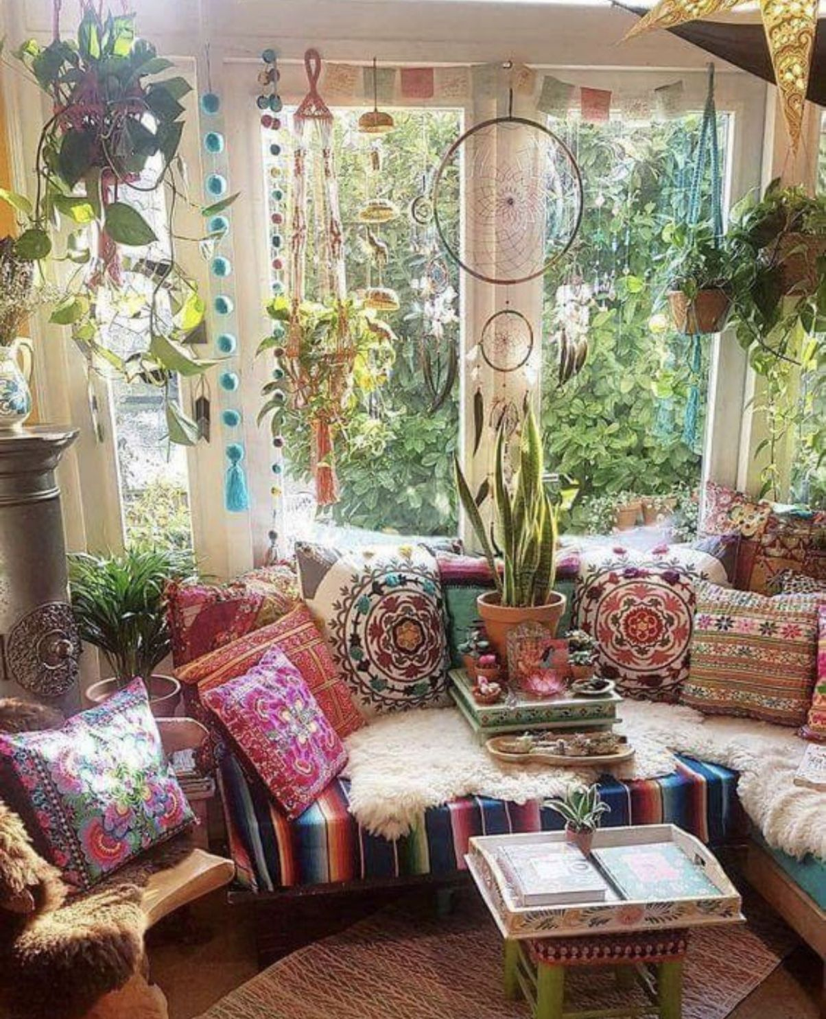 Hippie lounge (With images) | Bohemian living room decor - living room ideas hippie