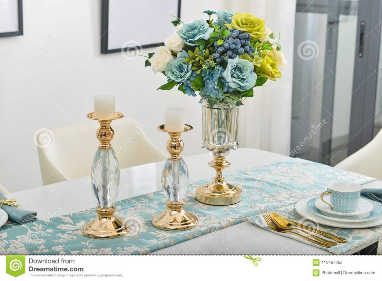 Home Interior Decor,dining Room , Bouquet In Glass Vase Stock ..