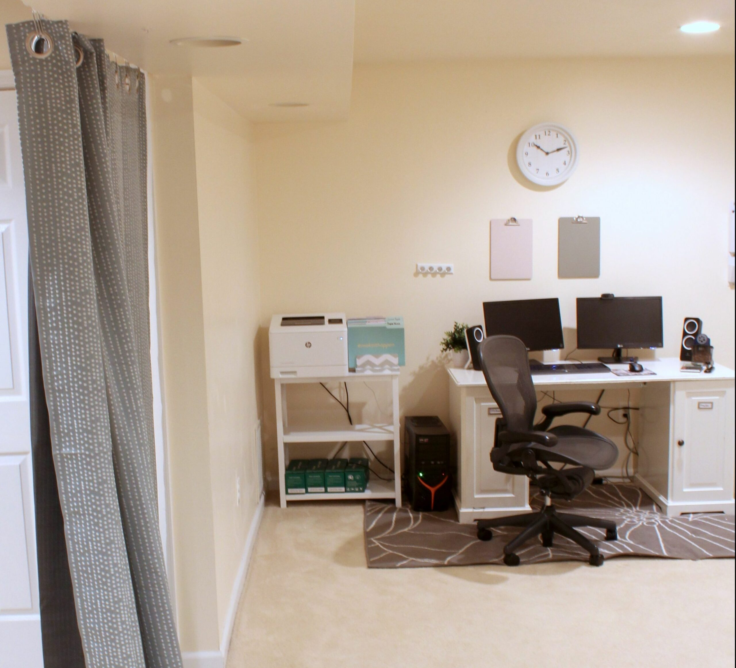 Home Office Ideas on a Budget: 12 Easy Office Upgrades | Busy Budgeter - home office ideas cheap