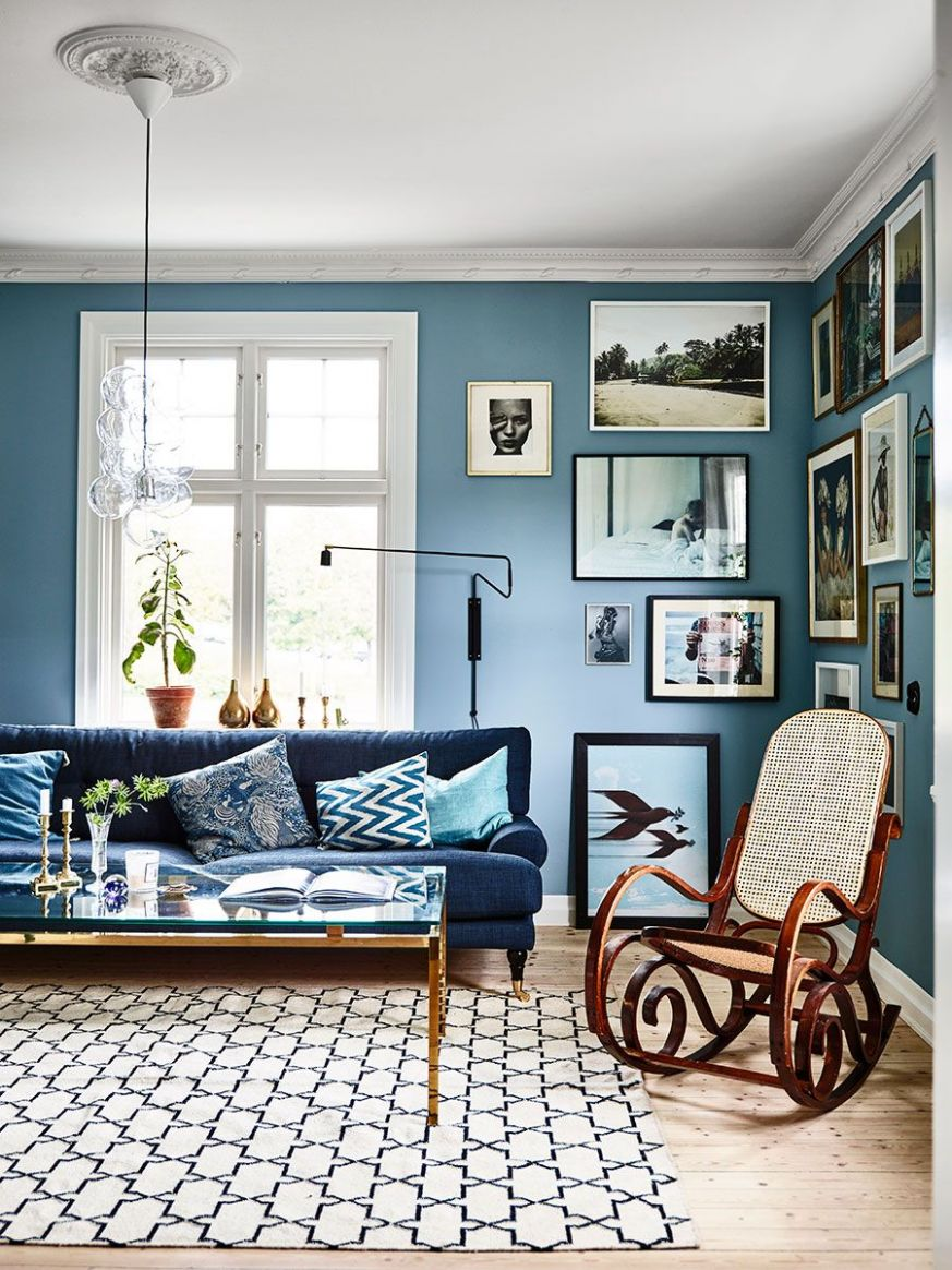 House Tour :: A Welcoming Swedish Home In Bold Blues | Blue living ...