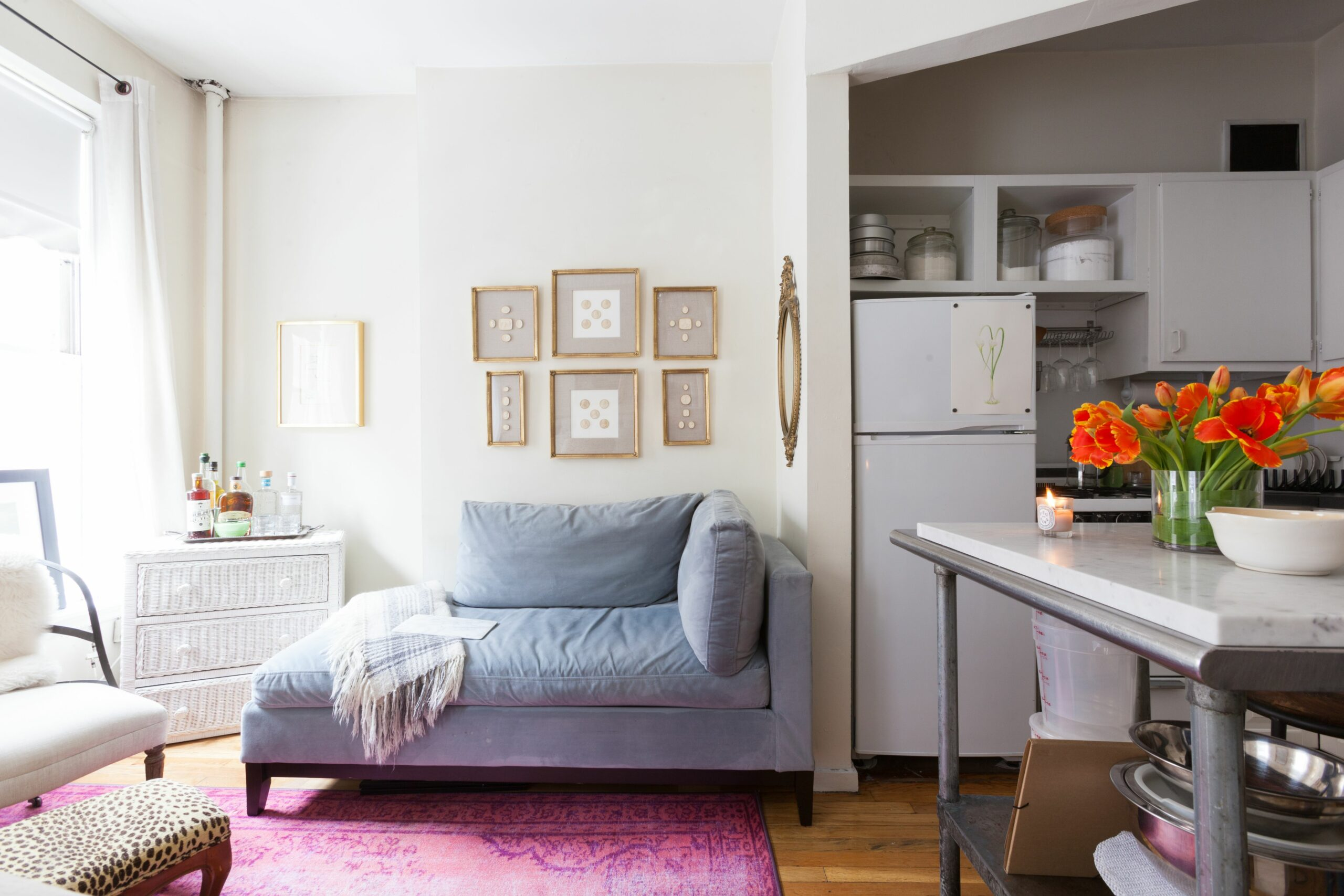 House Tour: Small But Sweet 12-Square-Foot NYC Studio | Apartment ..