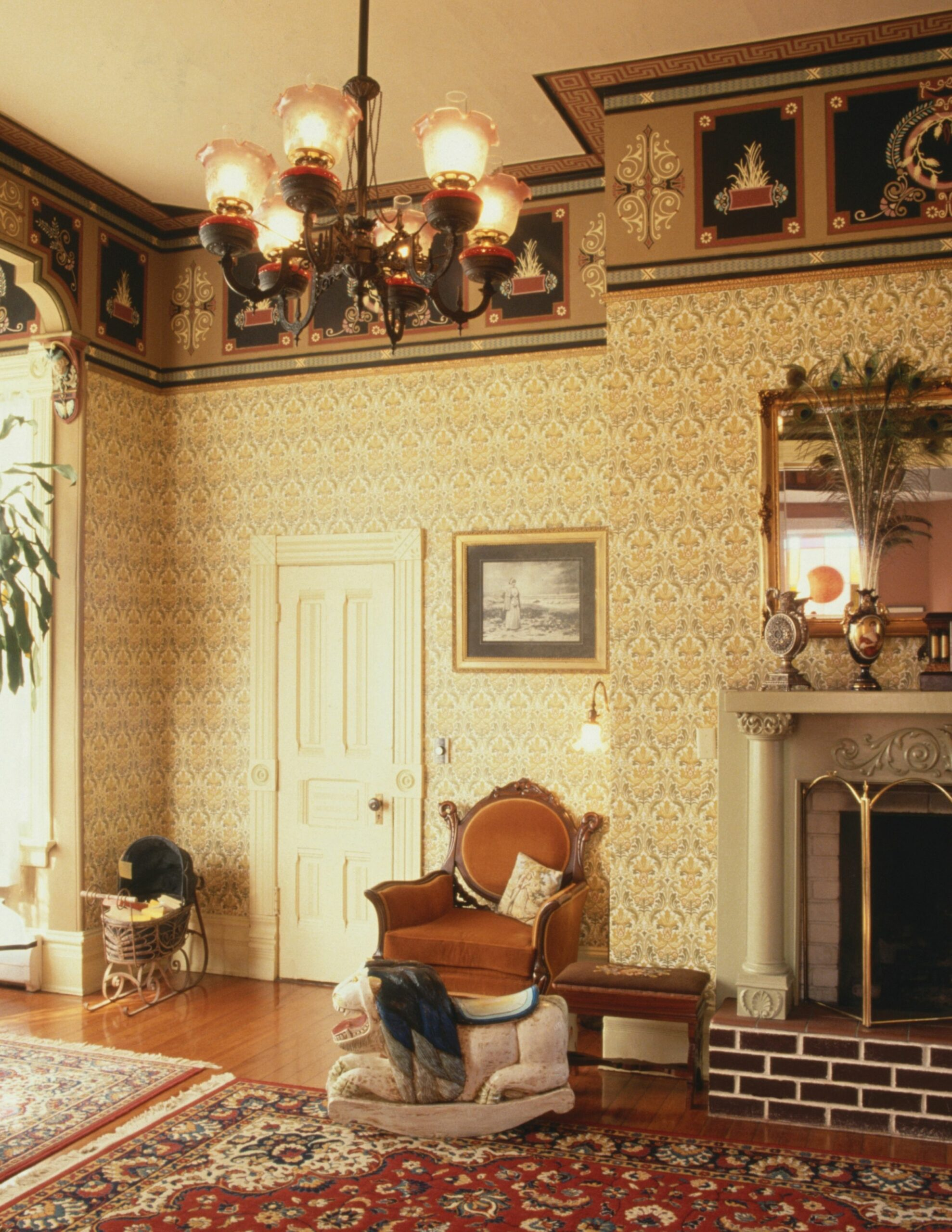 How to Decorate a Home From the Early 12s - victorian wall decor ideas