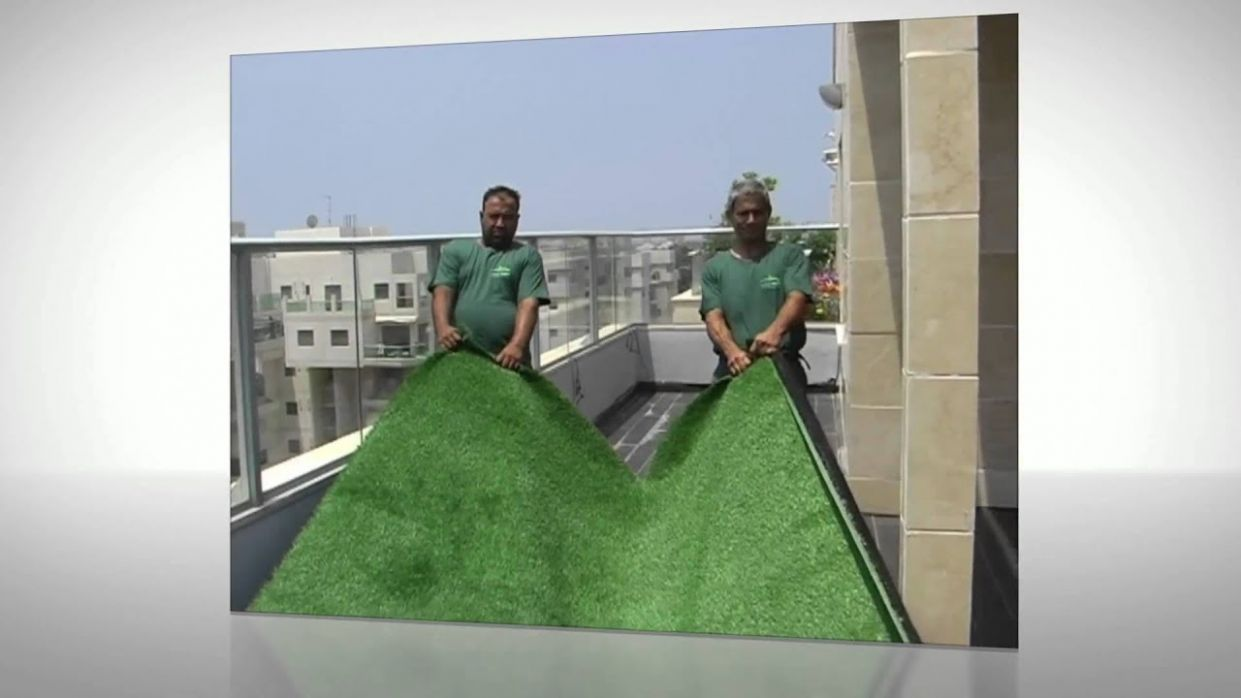 How to Install Artificial Grass for Balcony - Deshe Kavua - balcony ideas with fake grass