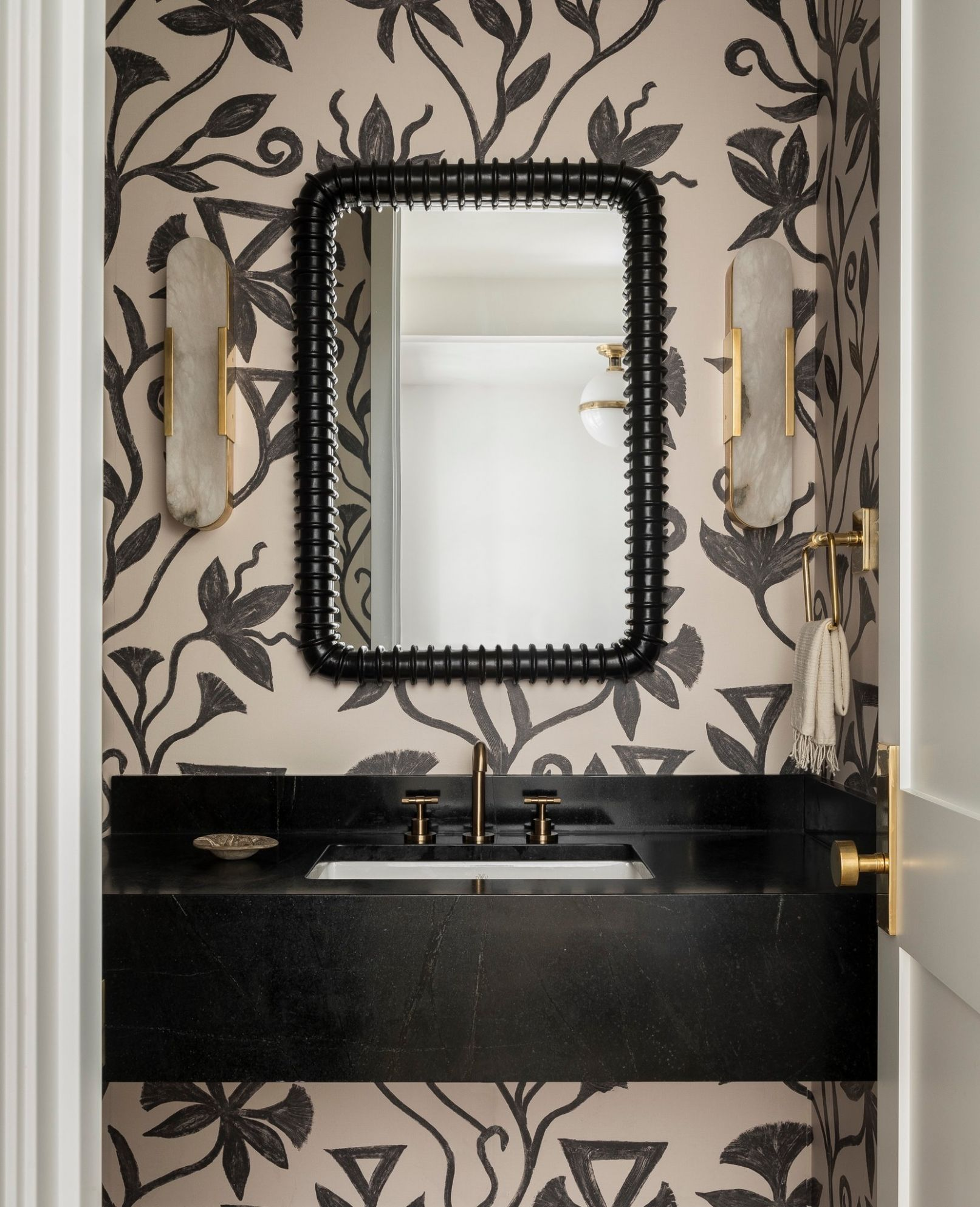 How to Make the Most of a Powder Room - The New York Times