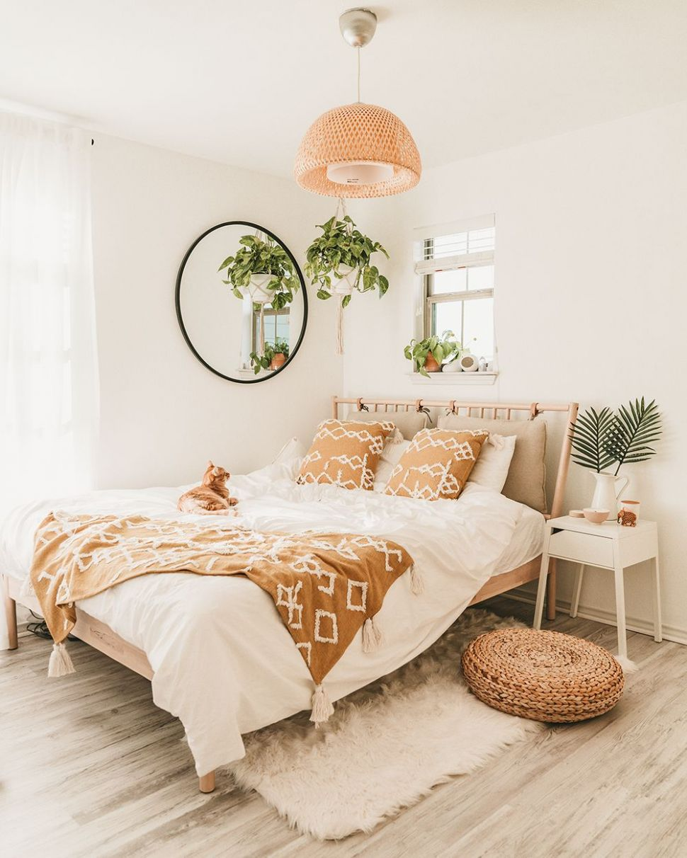 IKEA Bedroom Makeover For Under $9 (With images) | Bedroom ...