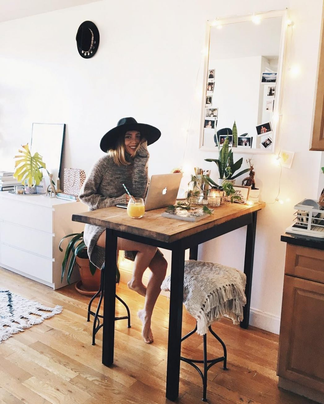 Instagram   First apartment decorating, Living room on a budget ..