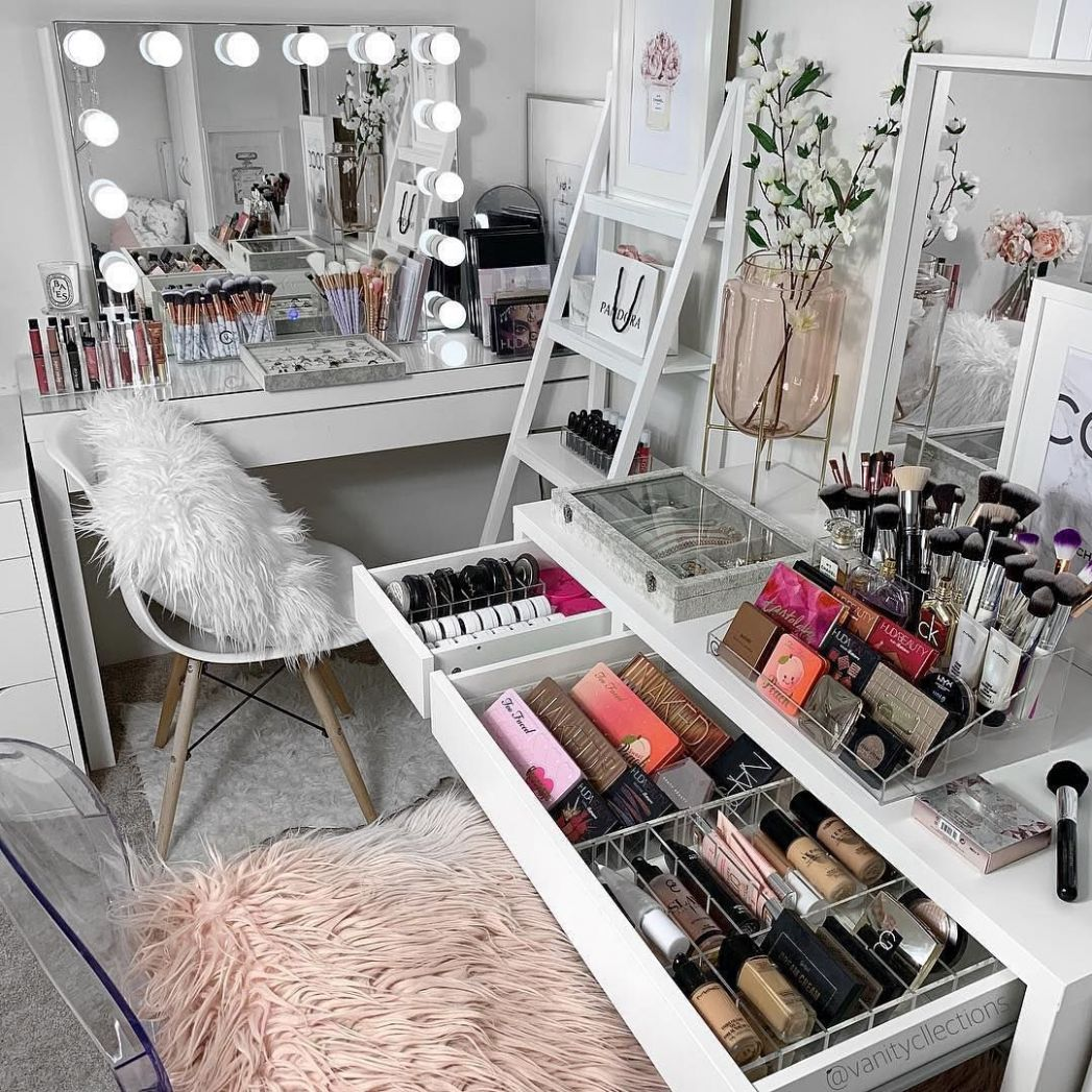 "interior8inspo on Instagram: ""🤩Vanity Goals💄💋Credit ..."