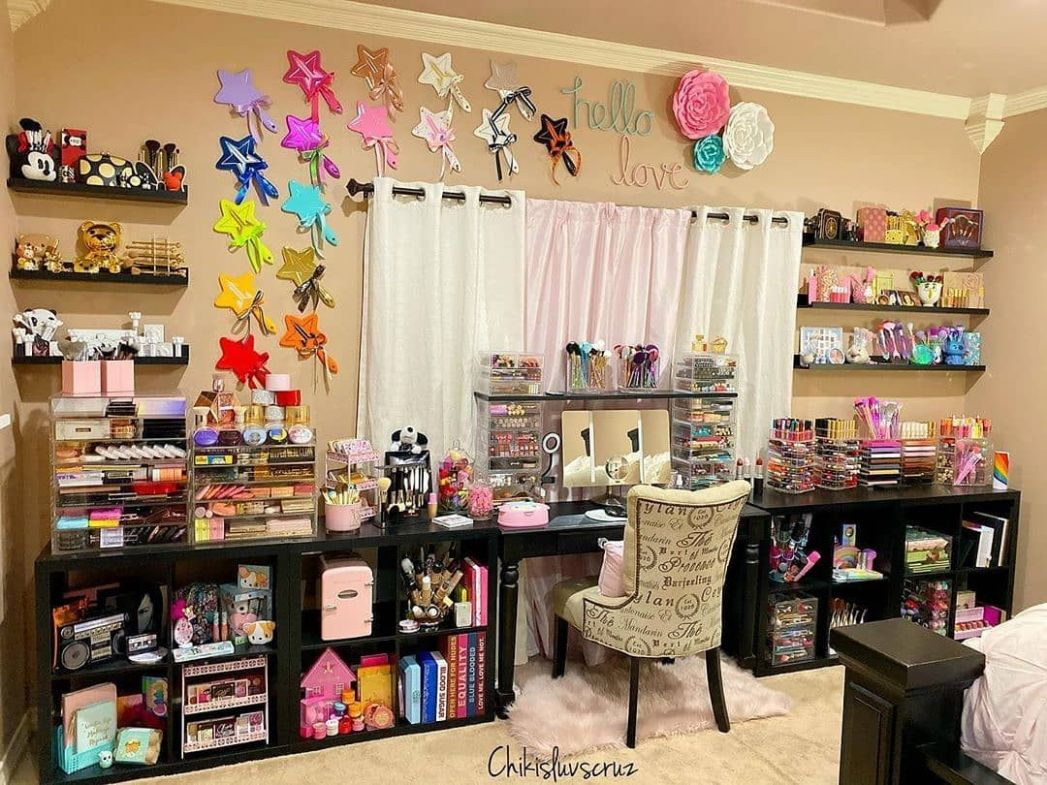 It's an ideal room for makeup lover?😍😍 Credit by@makeupromote ...
