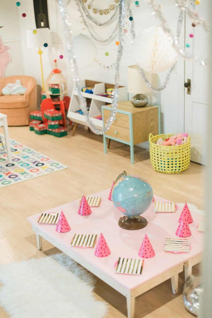 Kids Christmas Party Ideas - Lay Baby Lay - baby room jem