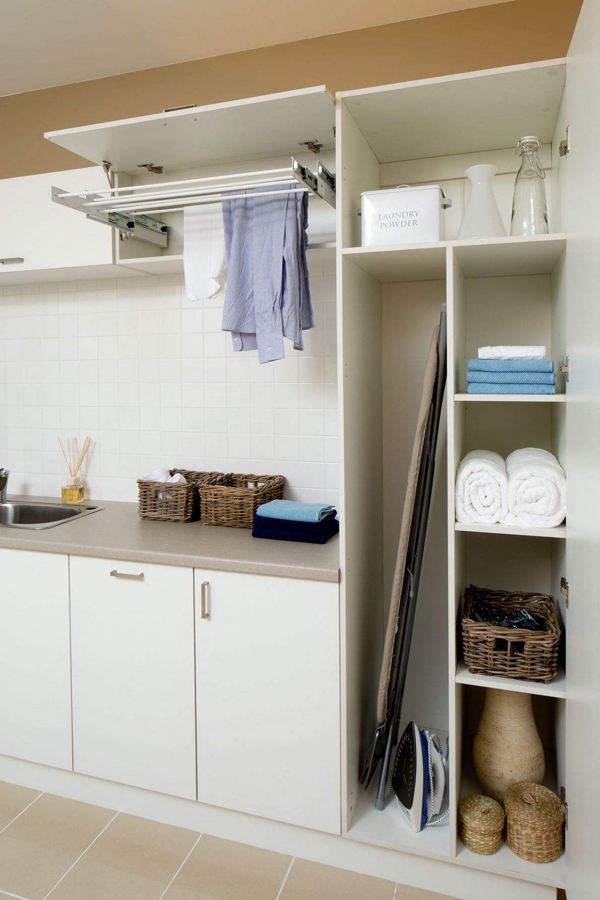 Laundry & broom cupboard space | Laundry Inspiration | Lavaderos ...