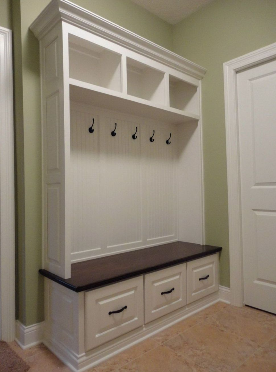 Laundry Room Bench And Hooks (With images) | Mud room storage ..