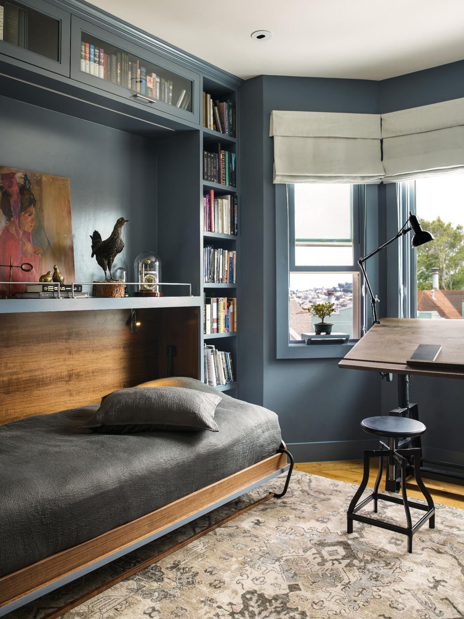 Learn how to design a multifunctional guest bedroom that doubles ...