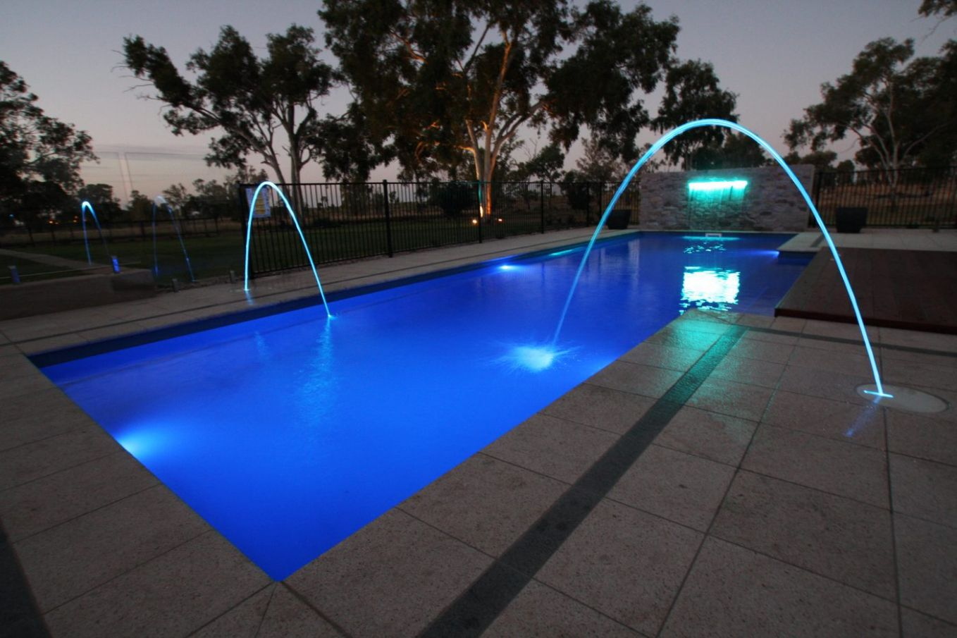 Light It Up: Swimming Pool Lighting Ideas