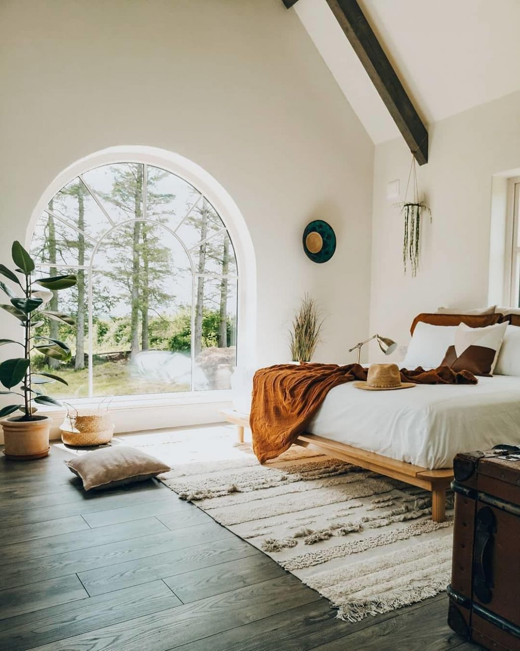 "Lorena Canals Rugs on Instagram: ""Amazing bedroom by ..."