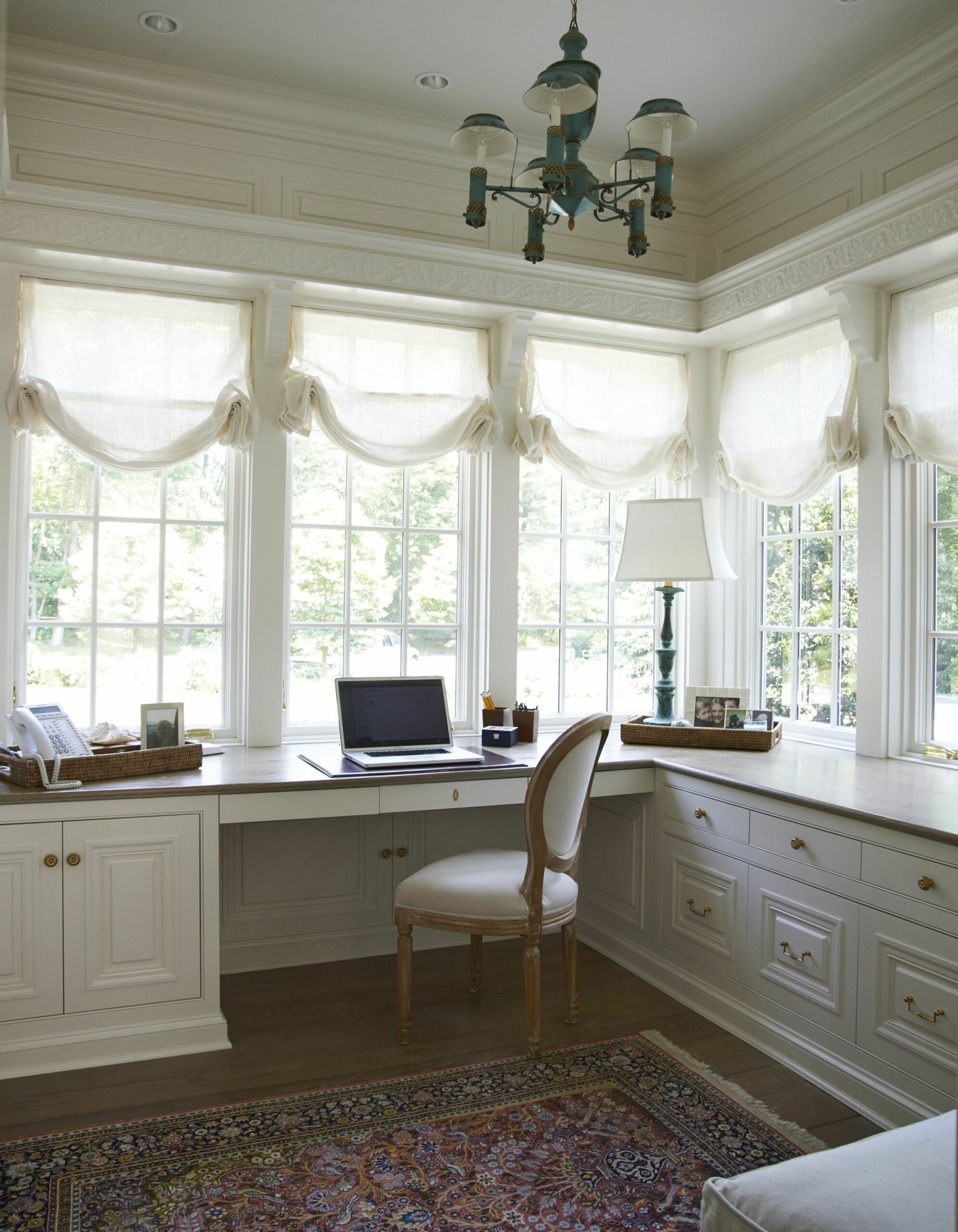 lots of windows and lights for an office | Feminine home offices ..