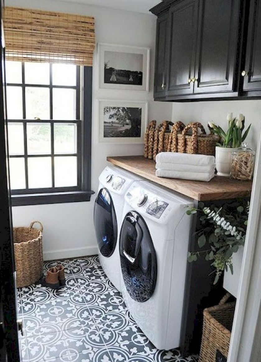 LOVE the tile and dark trim! | Laundry room makeover, Laundry room ..