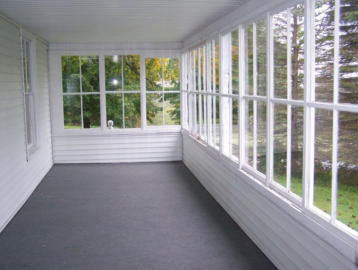Magnificent Enclosed Porch Ideas Plain Decoration Small Fall Door ..