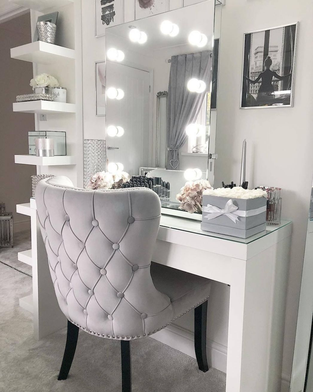 Make-up Room / Only Me 💋💚💟💖✌✓👌💙💚 xoxo   Bedroom decor ..