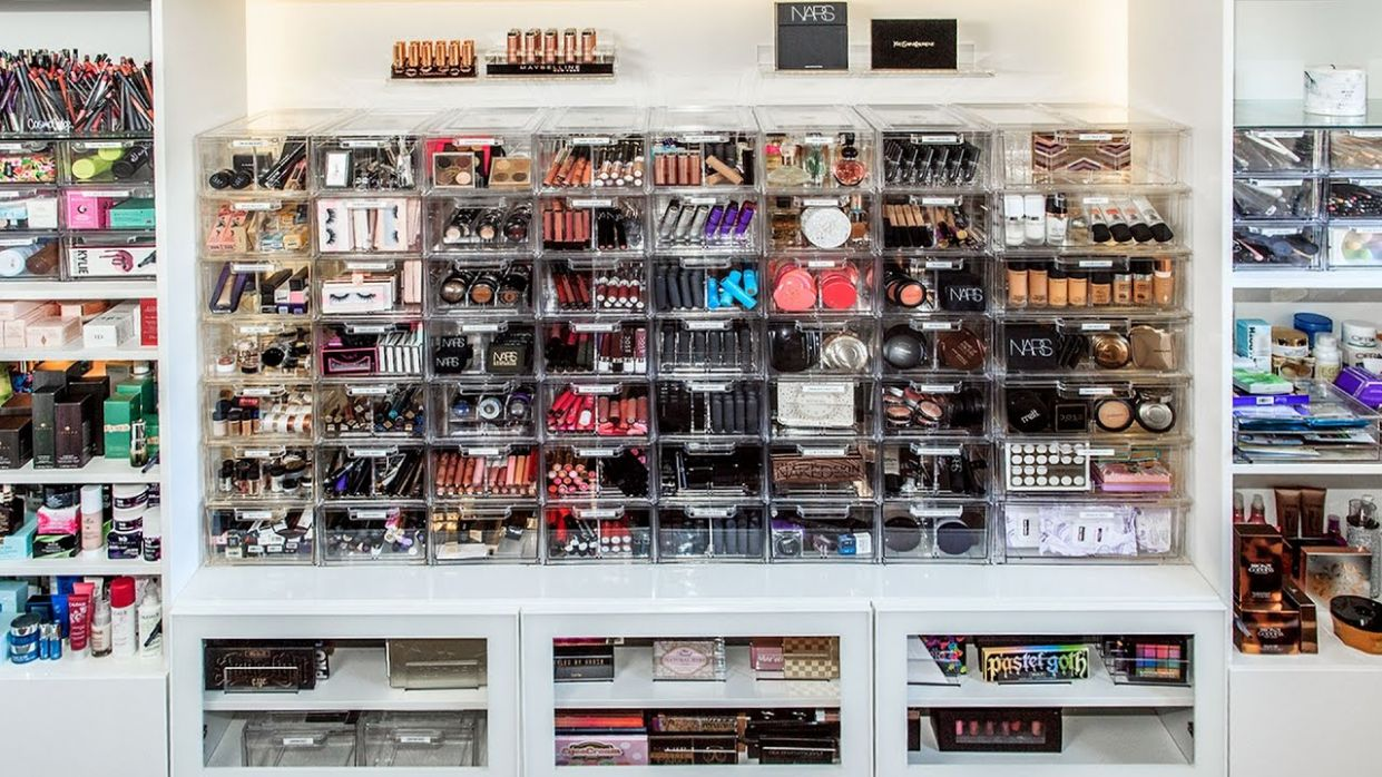 MAKEUP COLLECTION AND ORGANIZATION | DESI PERKINS - makeup room organization