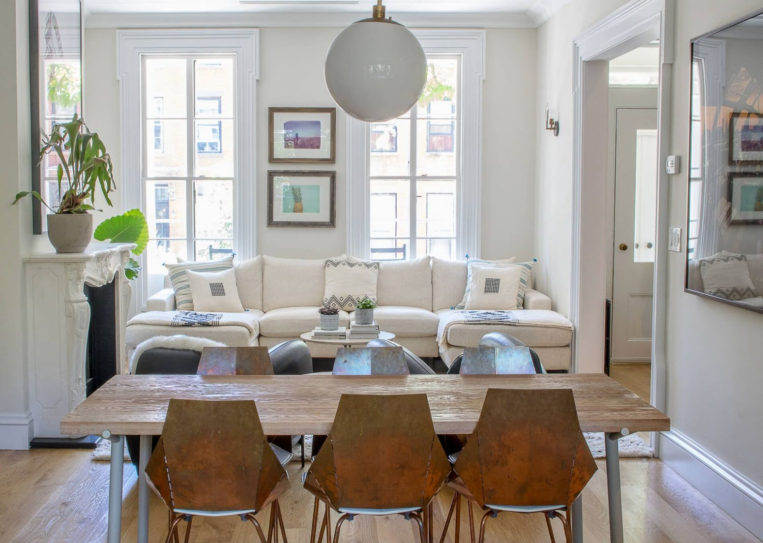 Management Chair: Living-Dining Room Hybrid Layout Ideas - dining room entry ideas