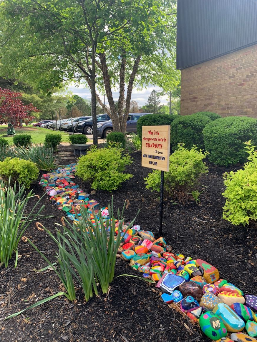 Mark Twain Elementary Stone Garden Encourages Visitors to Stand ..