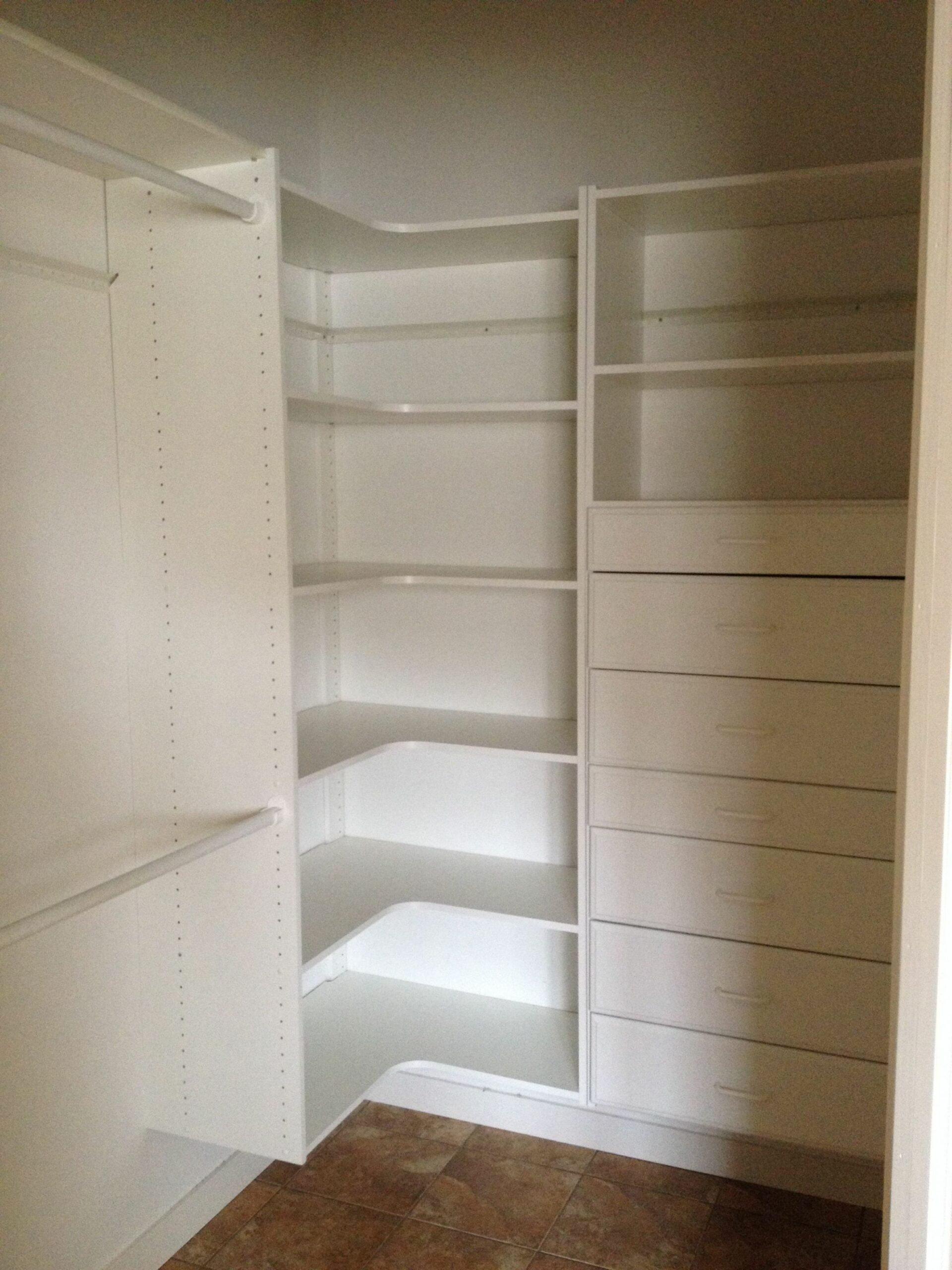Master bedroom walk-in closet idea for maximum storage and space ..