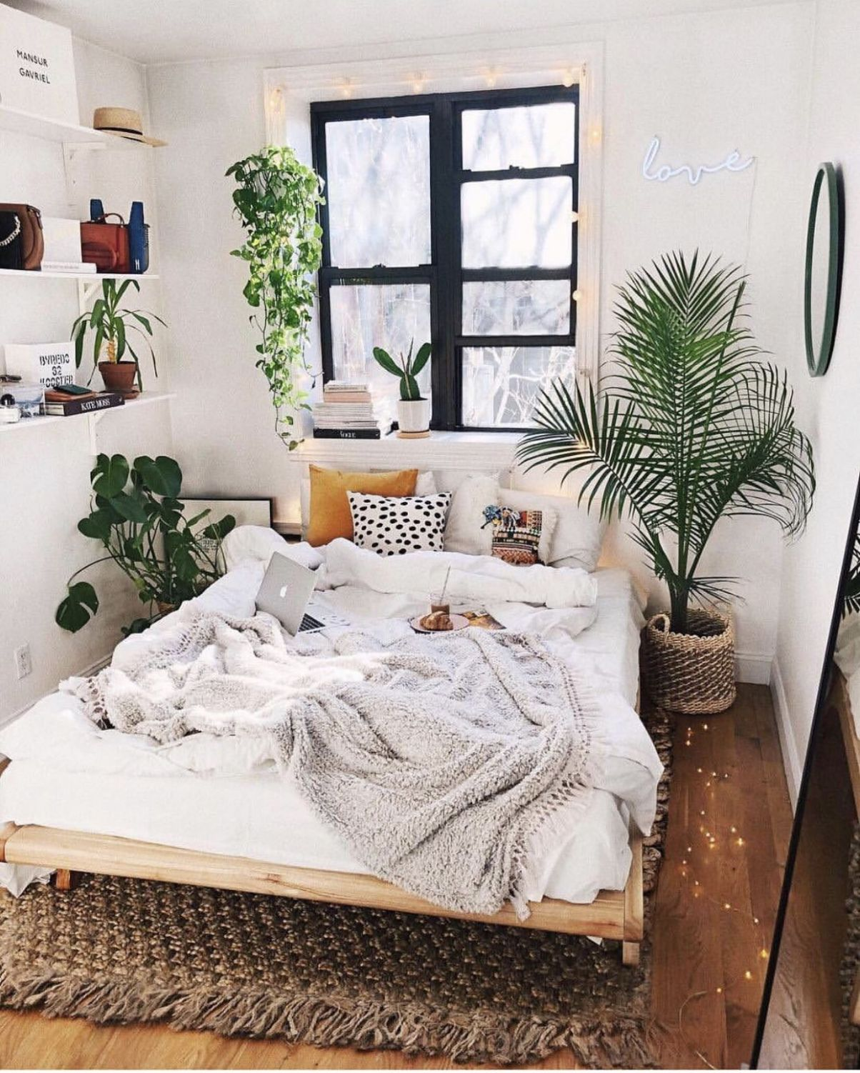 minimalist bedroom with plants | Bedroom decor for couples small ..