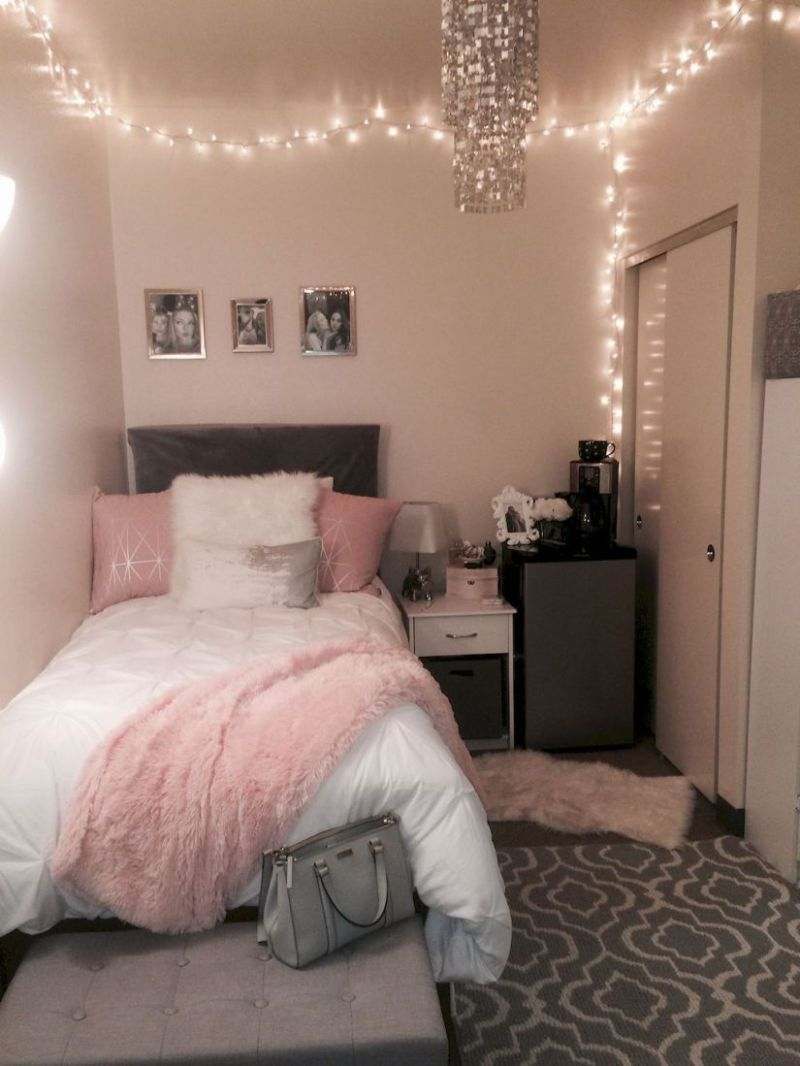 Minimalist Diy Room Decor Ideas Suitable For Small Room 9 | Dorm ...